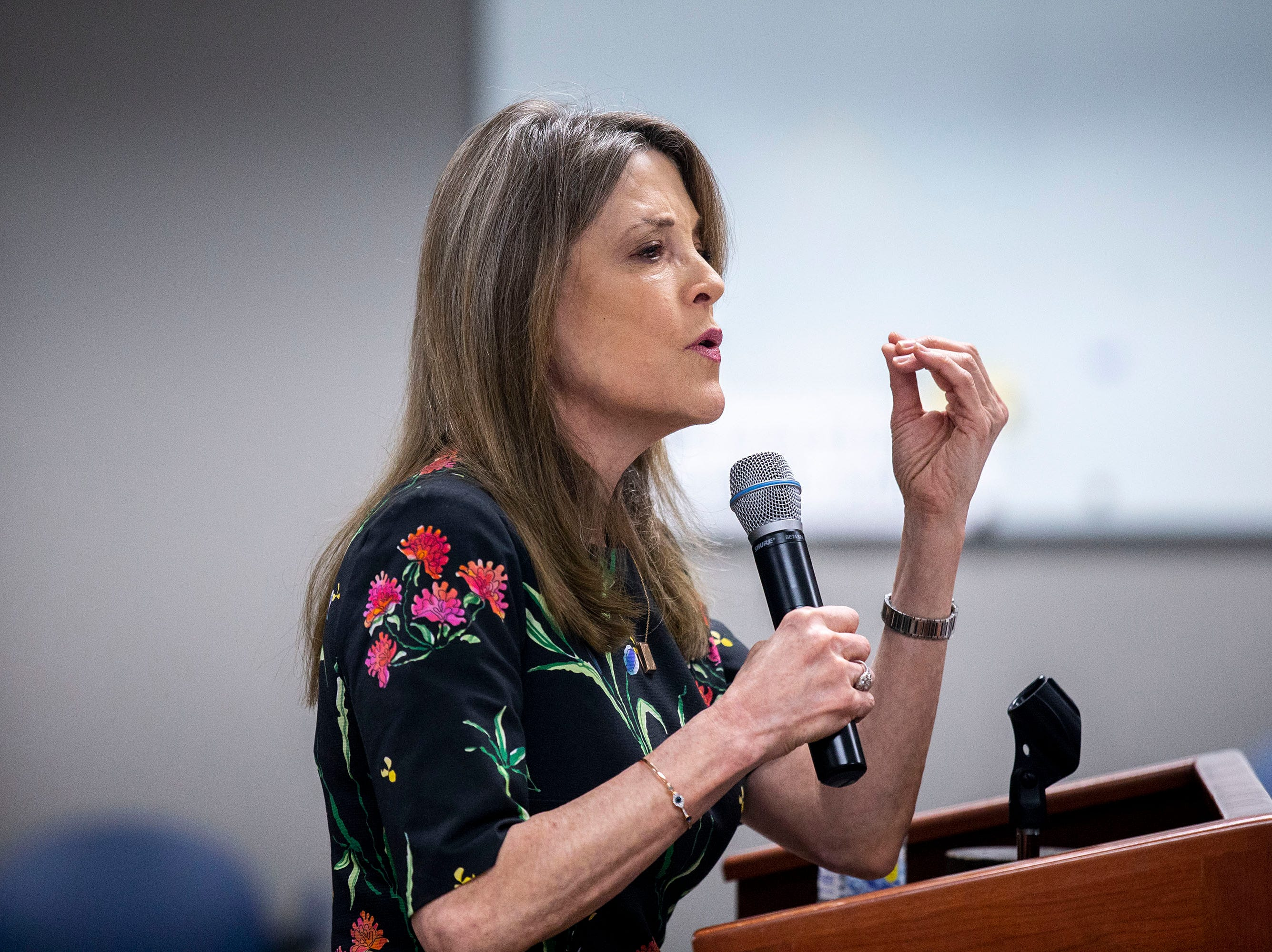 Presidential Hopeful Marianne Williamson gives a speech to the group of people gathered by the Asian & Latino Coalition on Monday, April 8, 2019, in Des Moines.