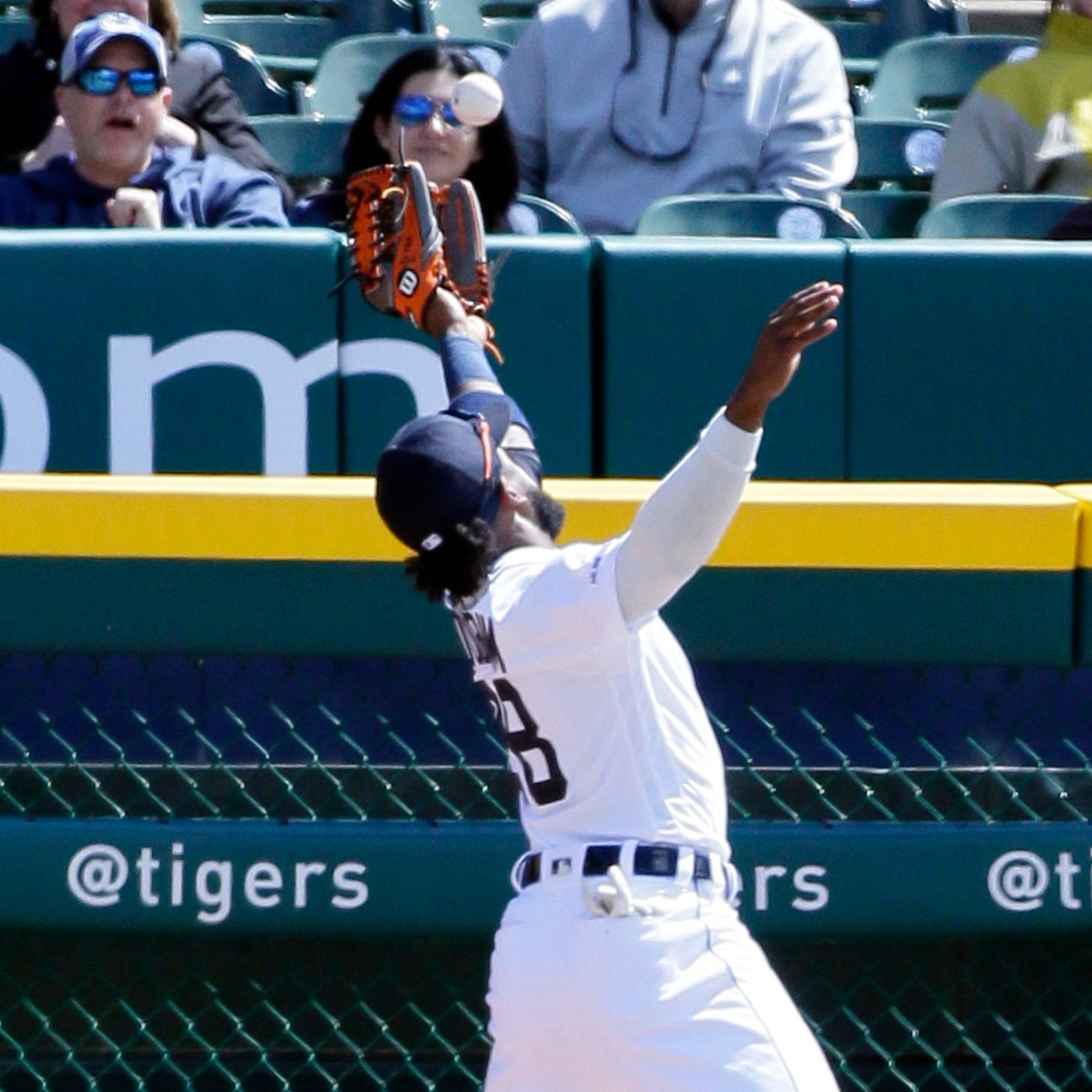 Detroit Tigers fall out of first place with 8-2 loss to Indians: Observations
