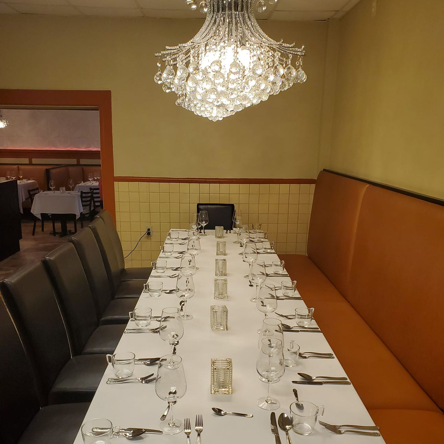 Table No. 2 Restaurant to open on the Avenue of Fashion Easter Sunday