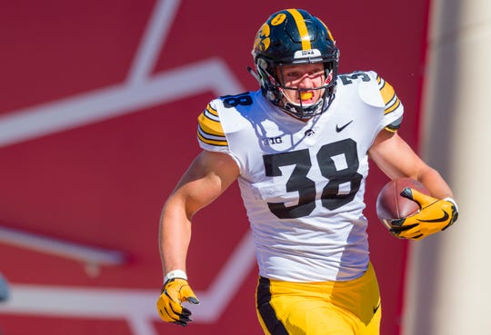 Iowa tight end T.J. Hockenson (38) is the reigning John Mackey award winner as the nation's best tight end after catching 49 passes for 760 yards and six touchdowns last season.