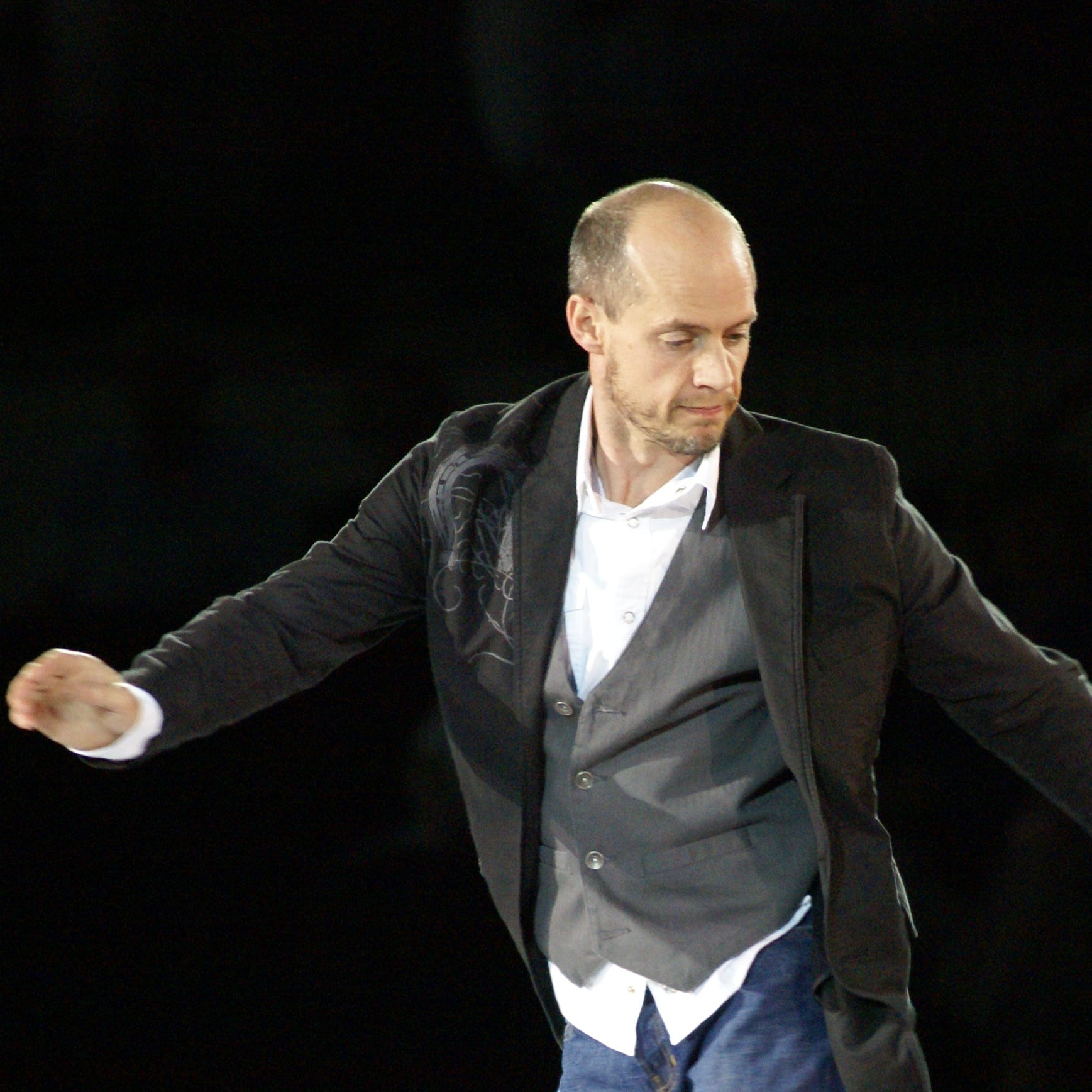 Stars on Ice: Kurt Browning on 'Singin' in the Rain,' quadruples and how everybody falls