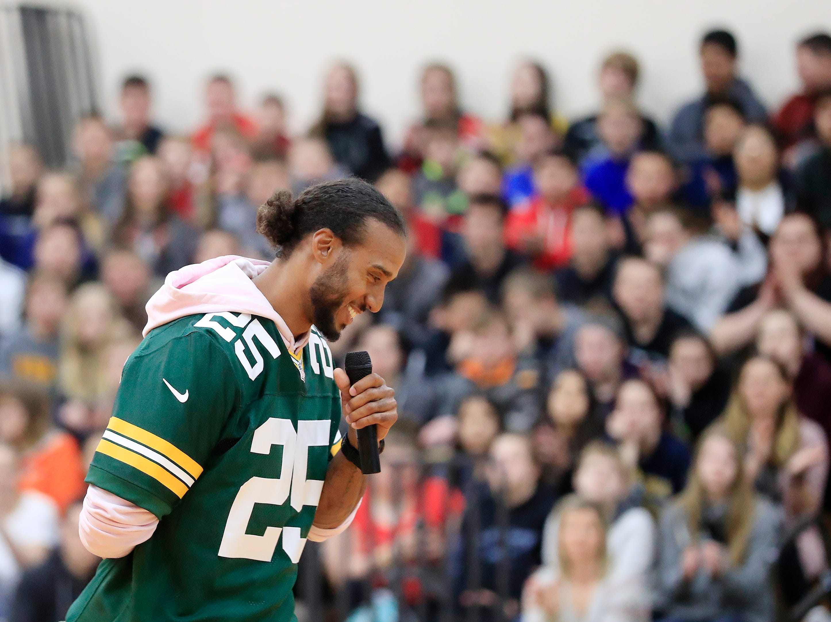 Former Green Bay Packers player Ryan Grant speaks during a stop on the Packers Tailgate Tour at Clintonville High School on Tuesday, April 9, 2019 in Clintonville, Wis.