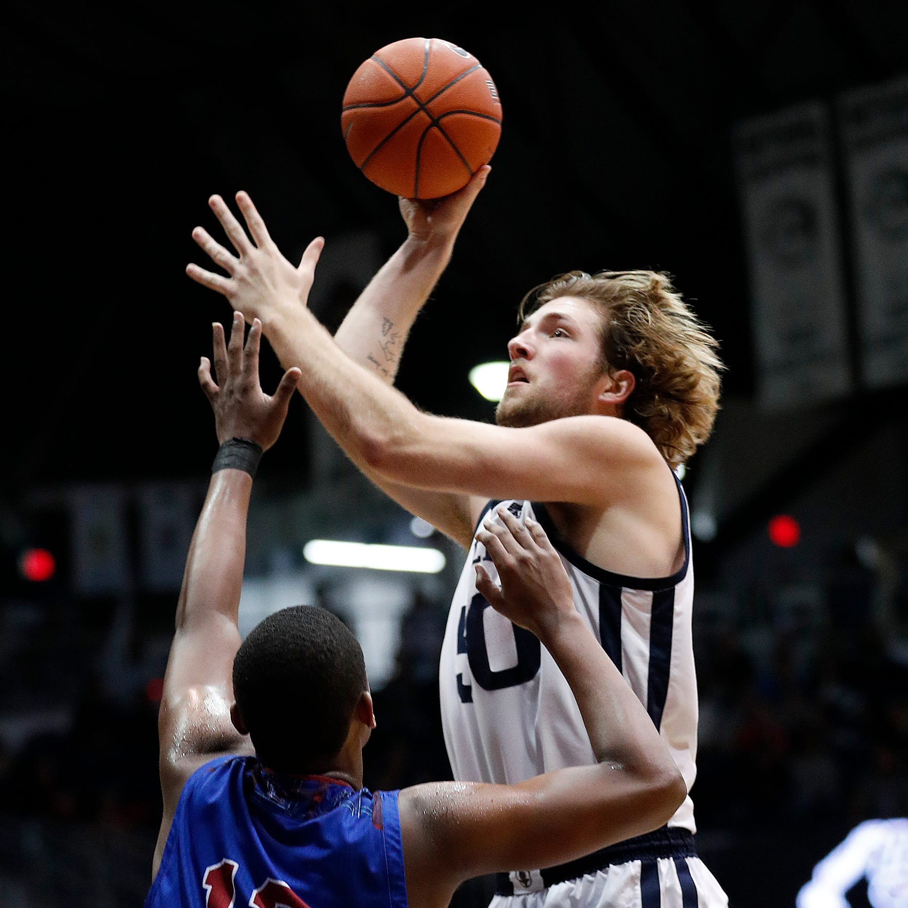 Butler transfer Joey Brunk picks IU basketball
