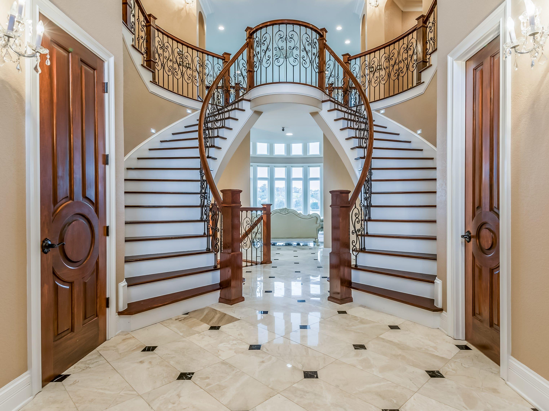 The foyer of 1439 Charlottesville Blvd in Farragut, listed for $1,995,000.