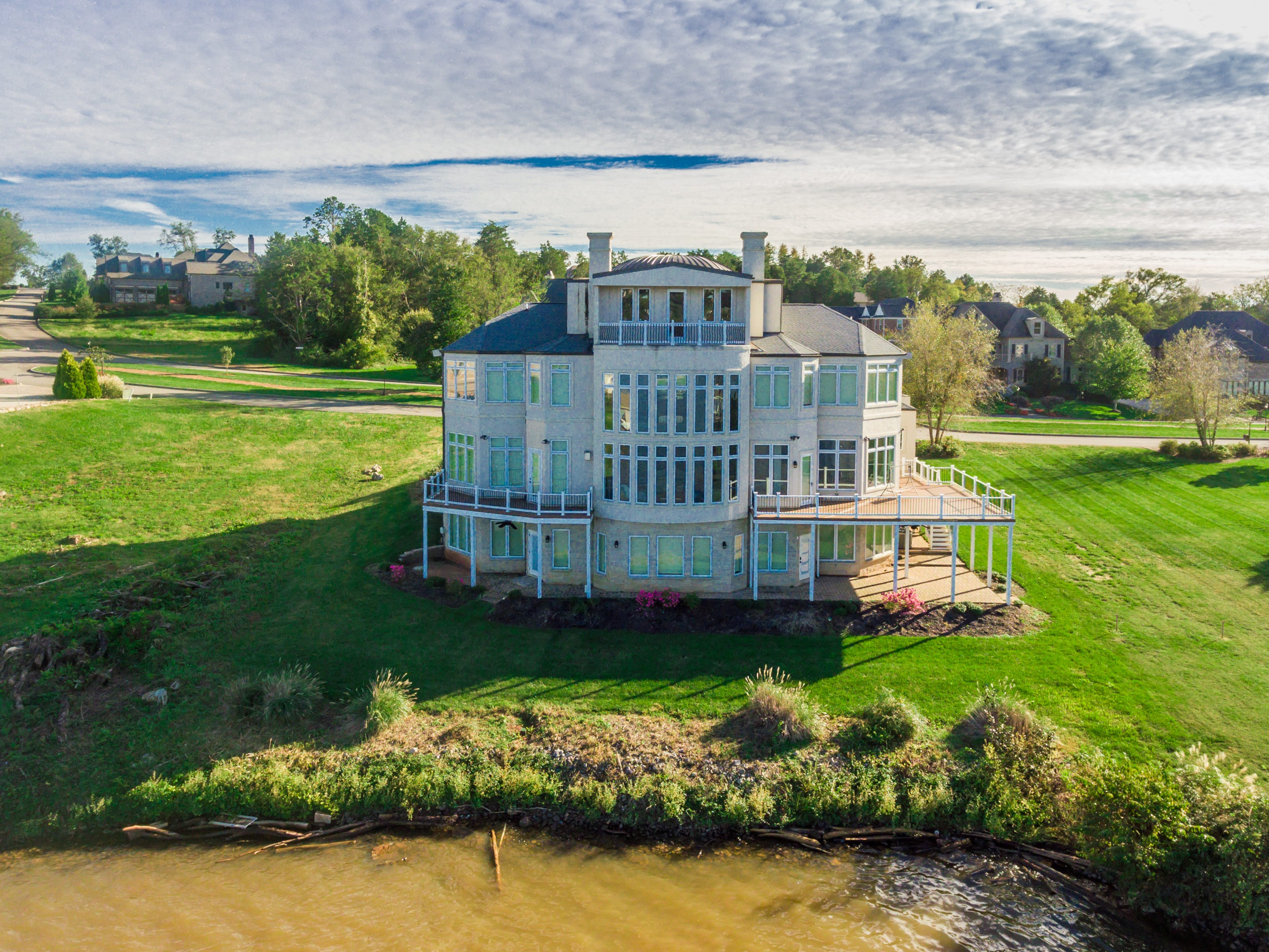 The back of the mansion at 1439 Charlottesville Blvd looks out onto Fort Loudoun Lake.