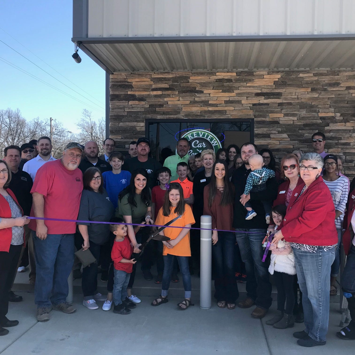 Chamber cuts ribbon for Lakeview Car Rentals