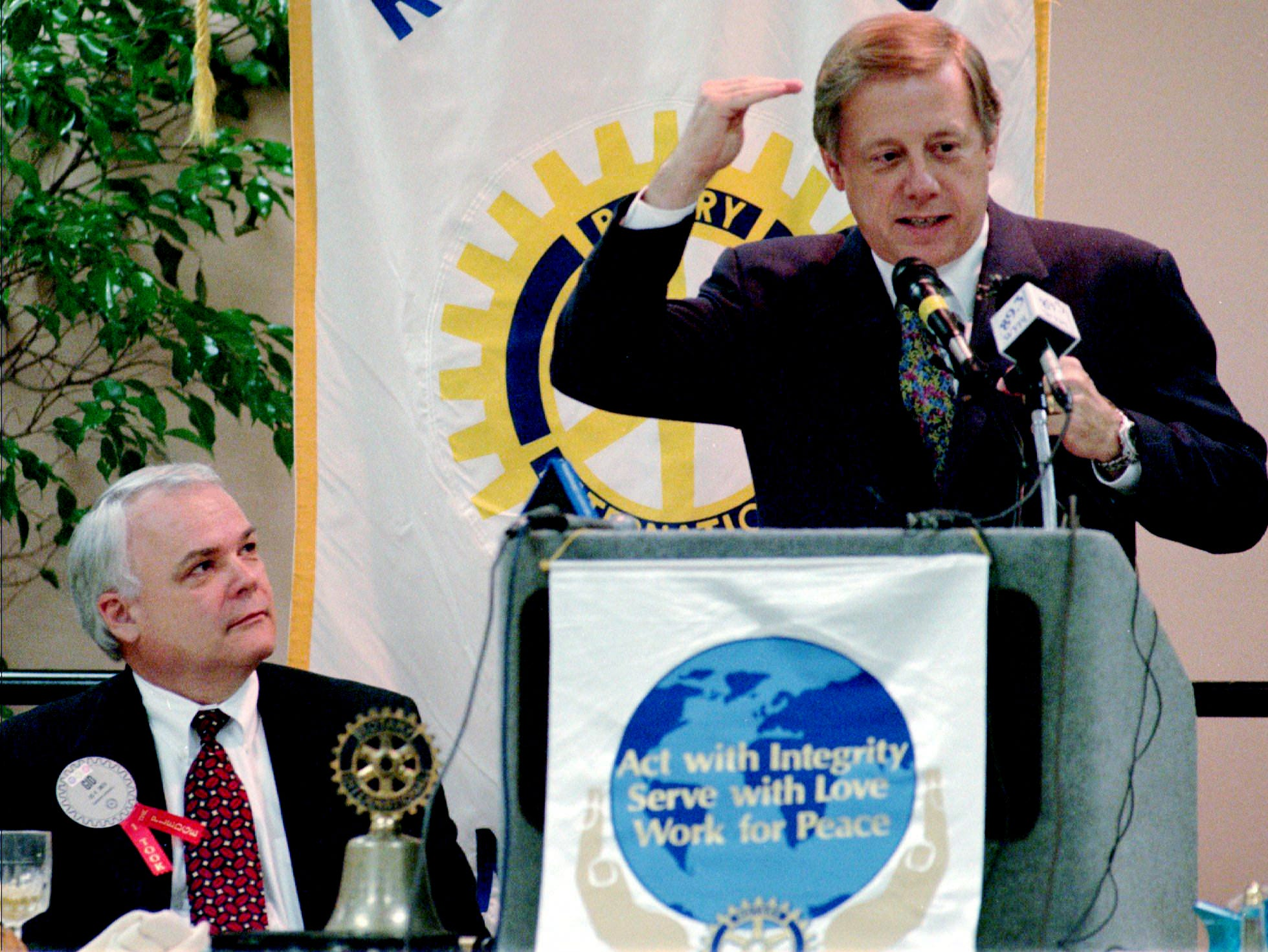 Nashville Mayor Phil Bredesen, right, speaks Nov. 14, 1995 to the Rotary Club in Memphis, Tenn. Bredesen asked club members to support his city's attempt to attract the Houston Oilers of the NFL. Club member Gid Smith, left, looks on.