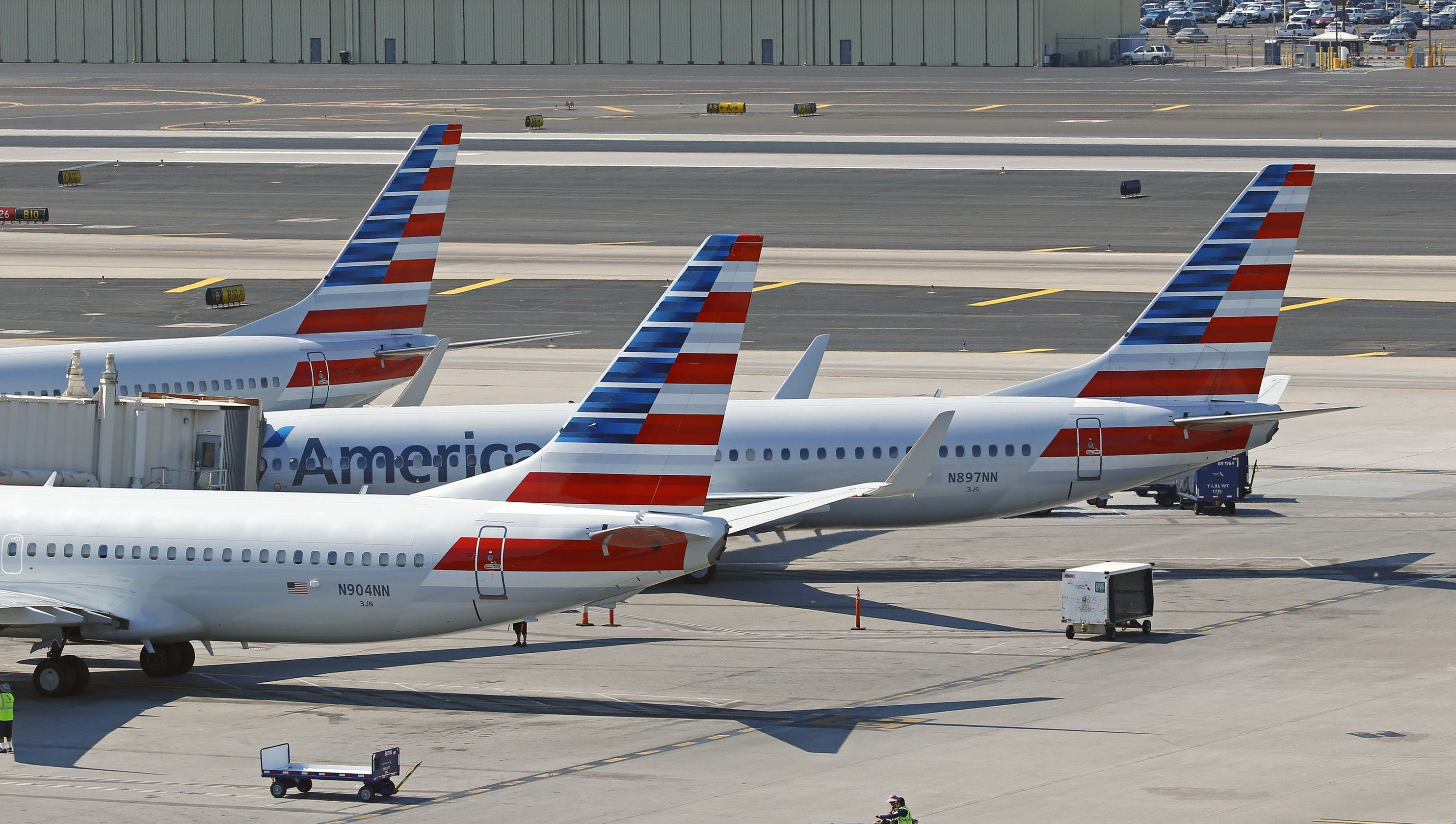 American Airlines Passenger Attempts To Jump Onto Tarmac