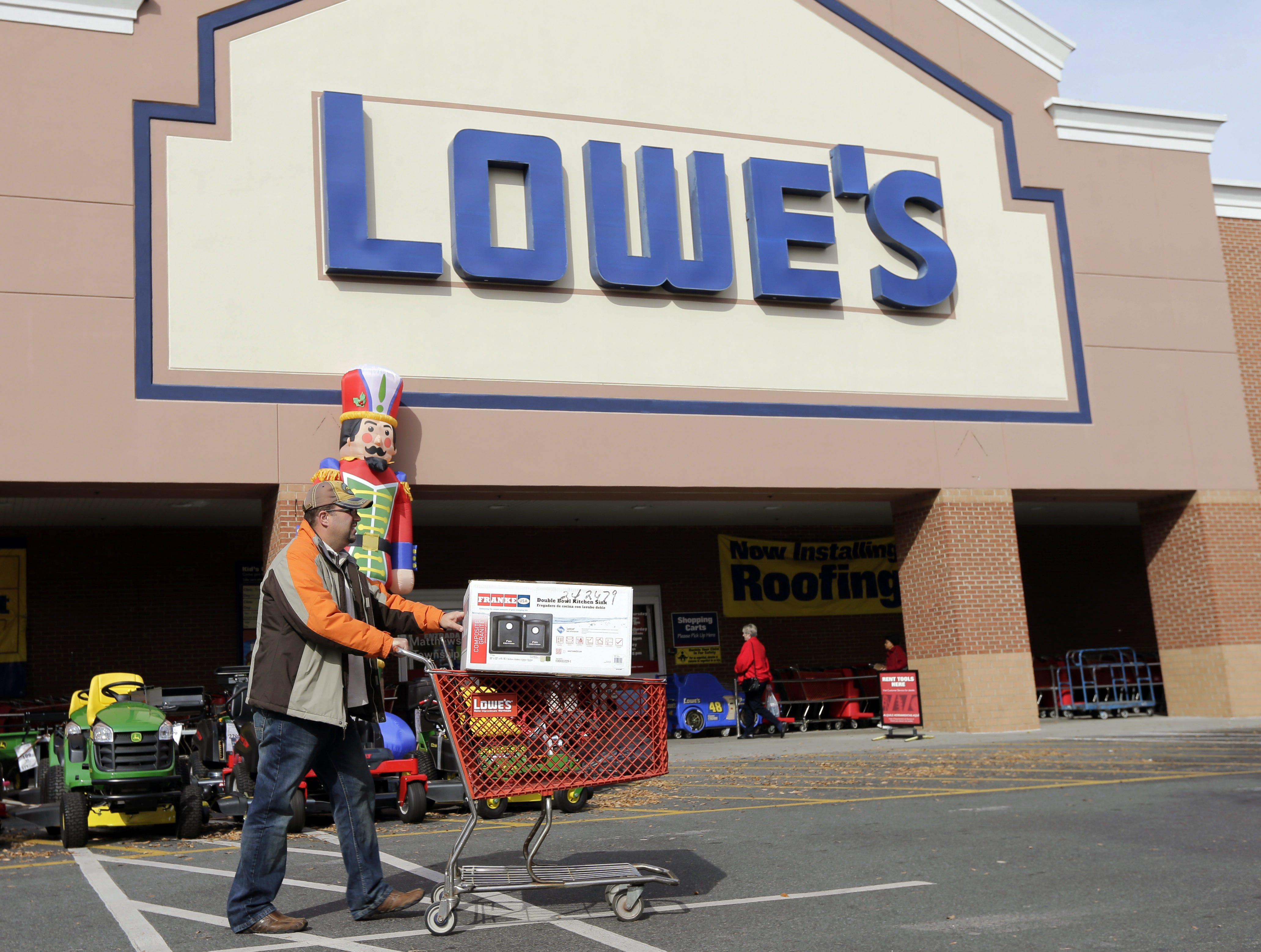 No. 41: Lowe's Companies Inc. | Home-improvement stores | 2019 employees: 4,400e (estimated by Arizona Republic) | 2019 employees: 4,500 | Ownership: Public | Headquarters: Mooresville, N.C. | www.lowes.com