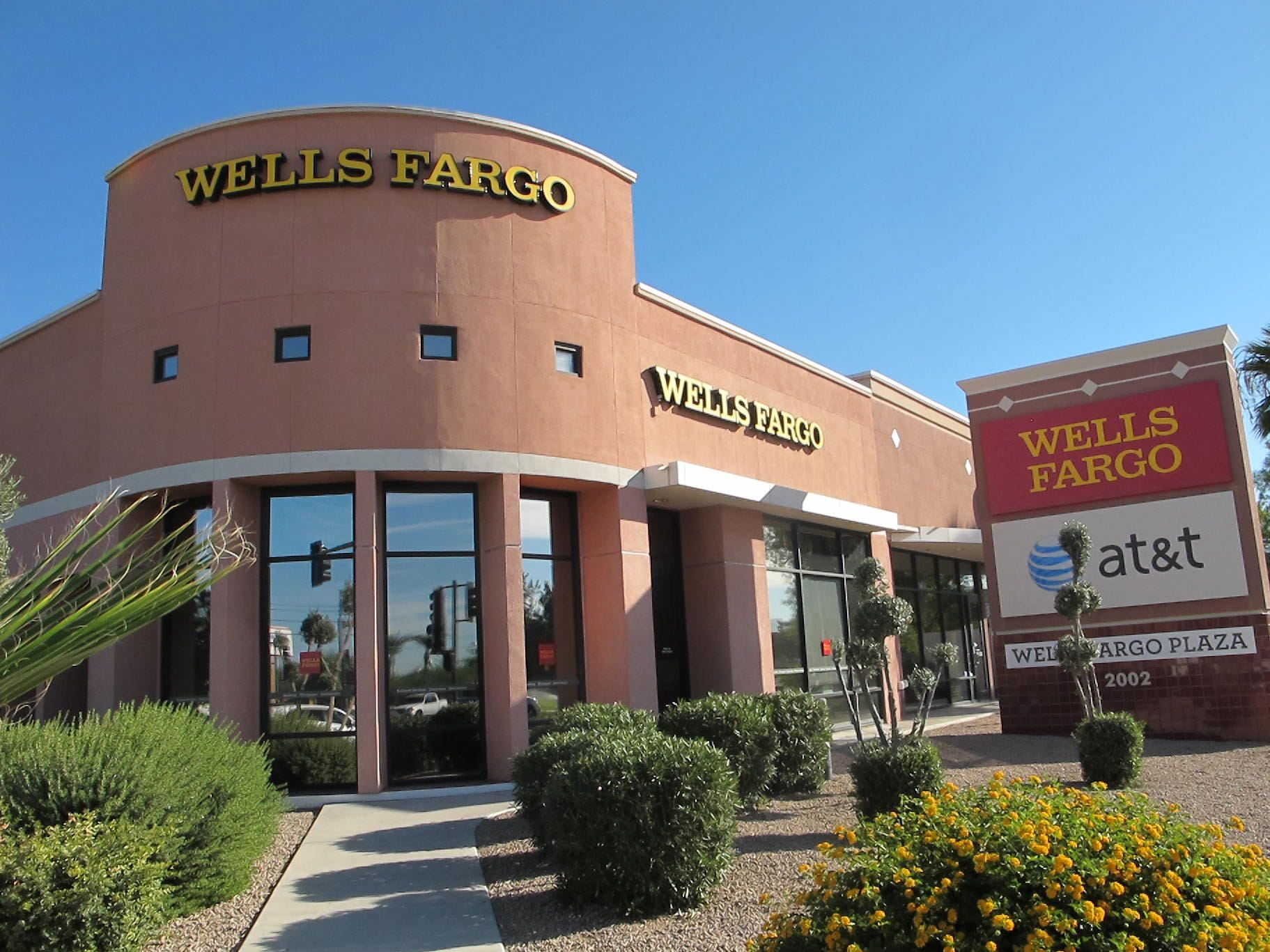 No. 4: Wells Fargo & Co. | Banking, financial services | 2019 employees: 16,161 | 2018 employees:15,637 | Ownership: Public | Headquarters: San Francisco | www.wellsfargo.com