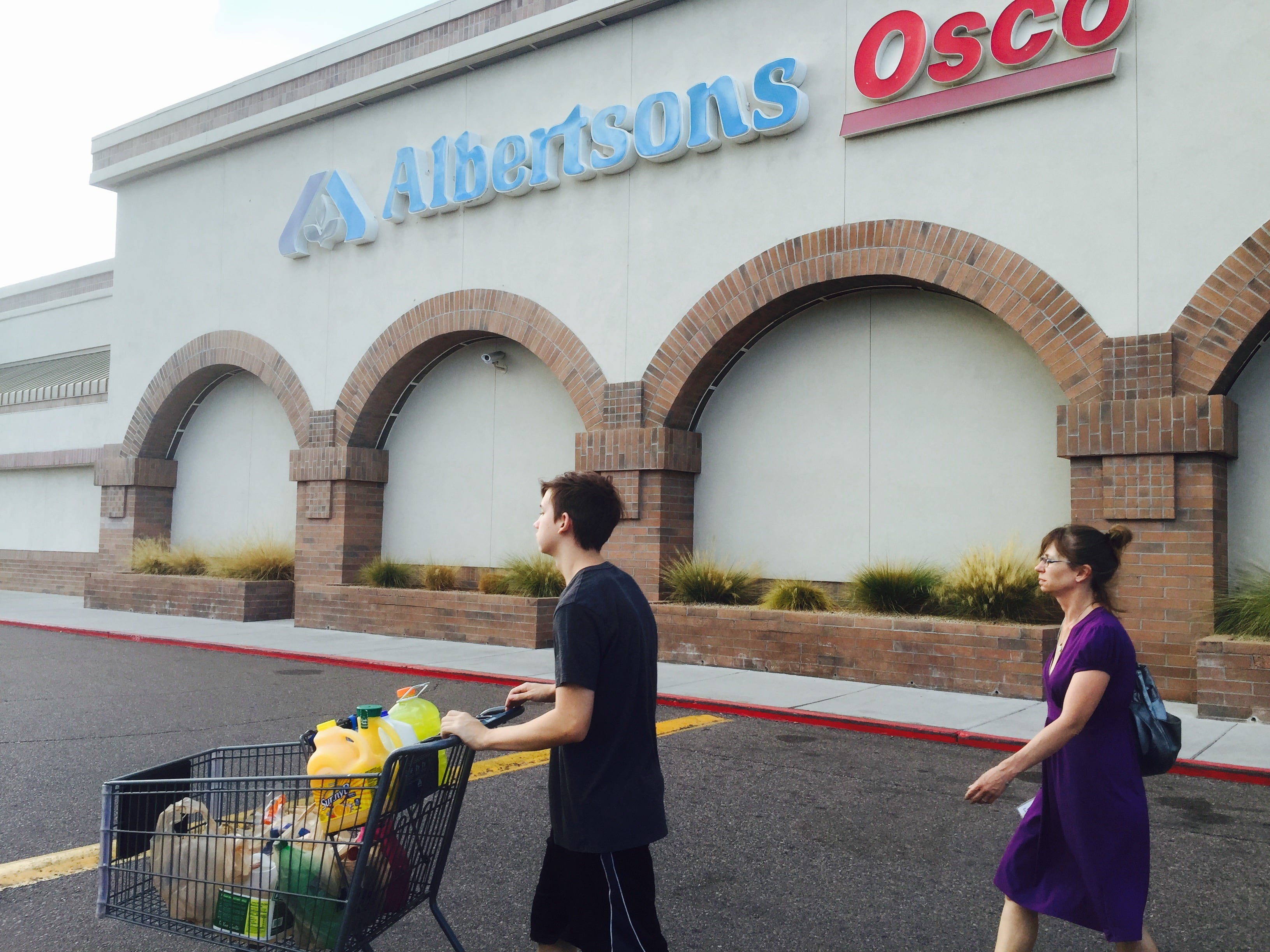 No. 5: Albertsons Cos. | Supermarkets | 2019 employees: 14,500 | 2018 employees: 14,500 | Ownership:  Private | Headquarters: Boise, Idaho | www.albertsons.com