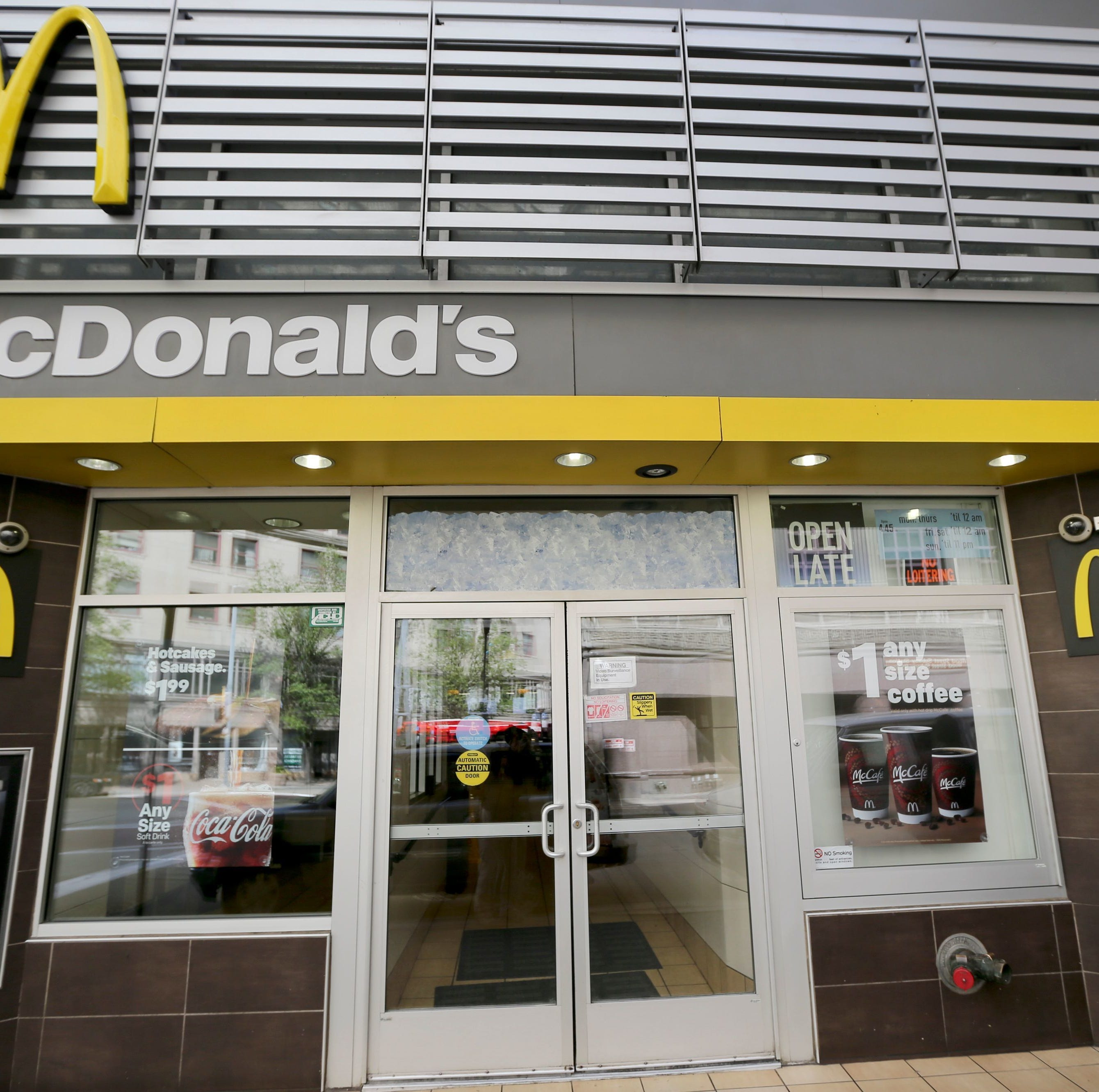 Arizona mother, daughter file sexual harassment complaints against their employer, McDonald's
