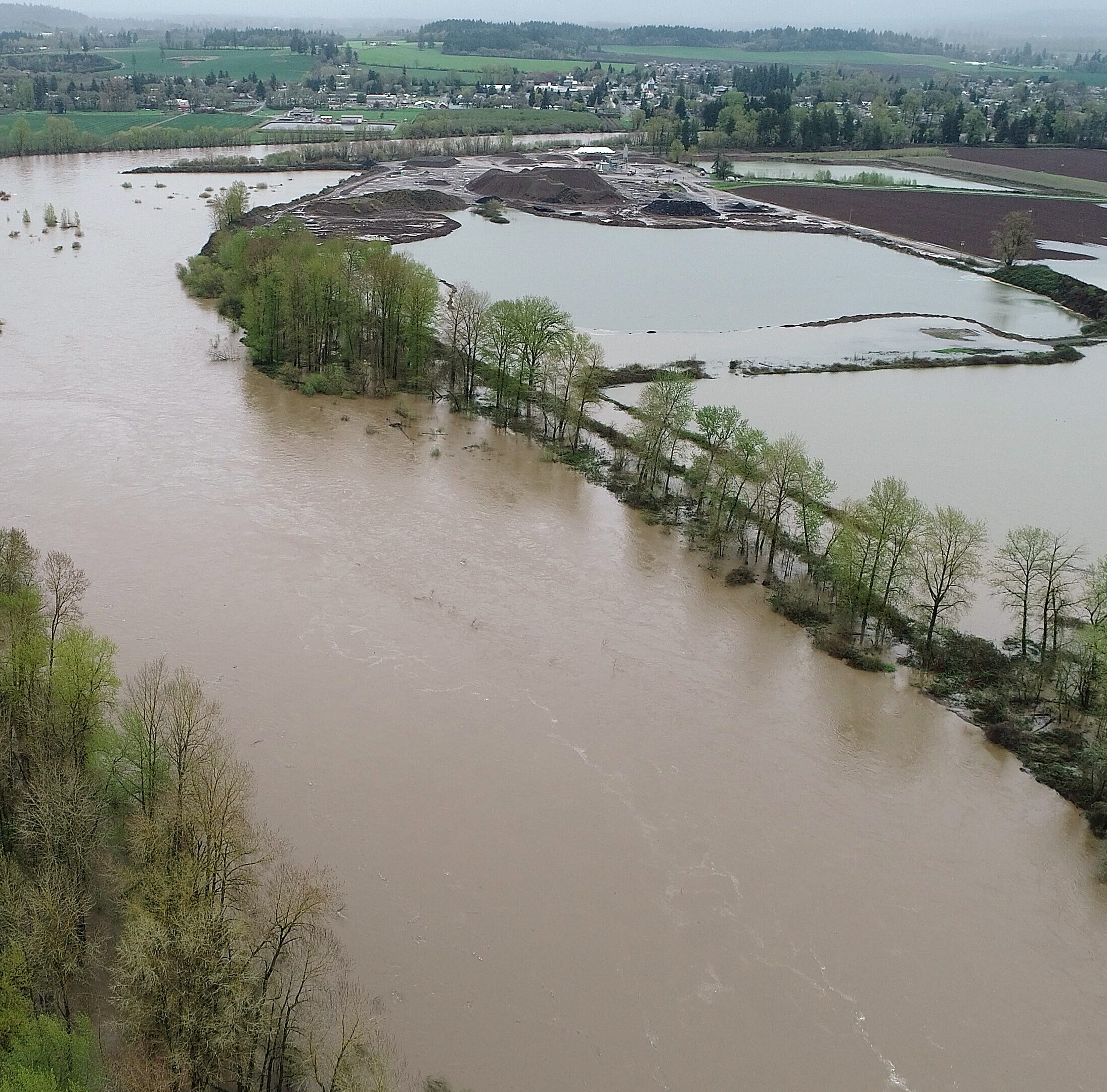 Salem prepares for Willamette River to reach highest level since 2012, closing roads, parks