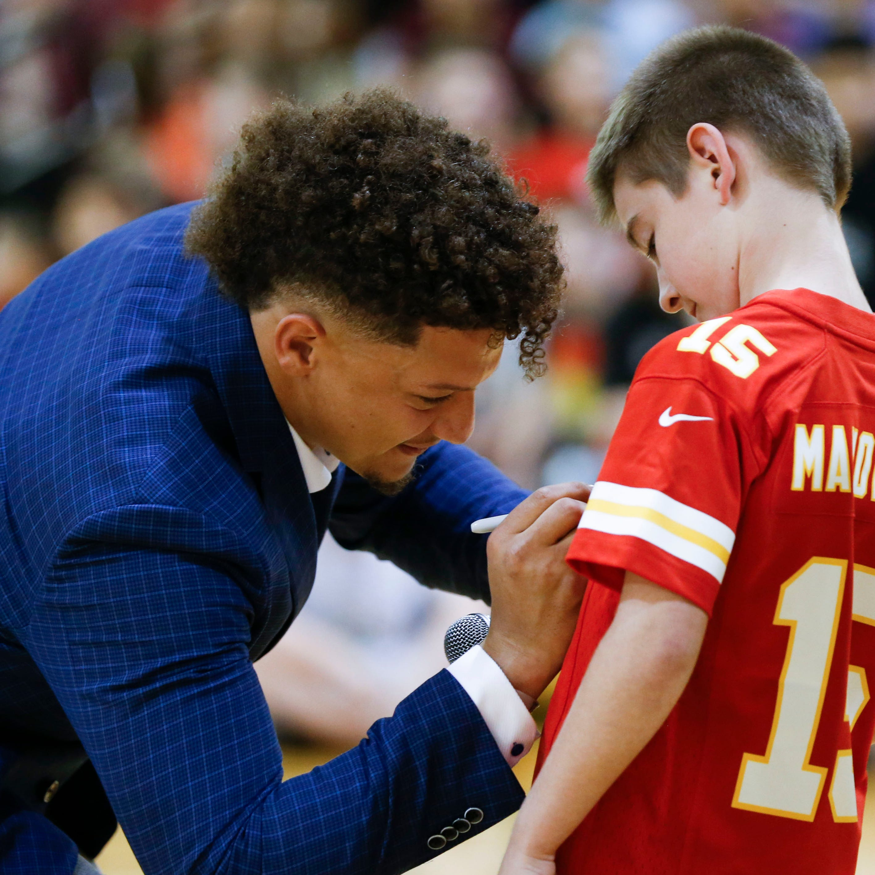 'Crazy' offseason tour lands Chiefs quarterback Patrick Mahomes in Springfield