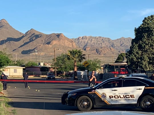 El Paso police officers investigate the scene of a fatal shooting on Tuesday, April 9, 2019, morning in Northeast El Paso.