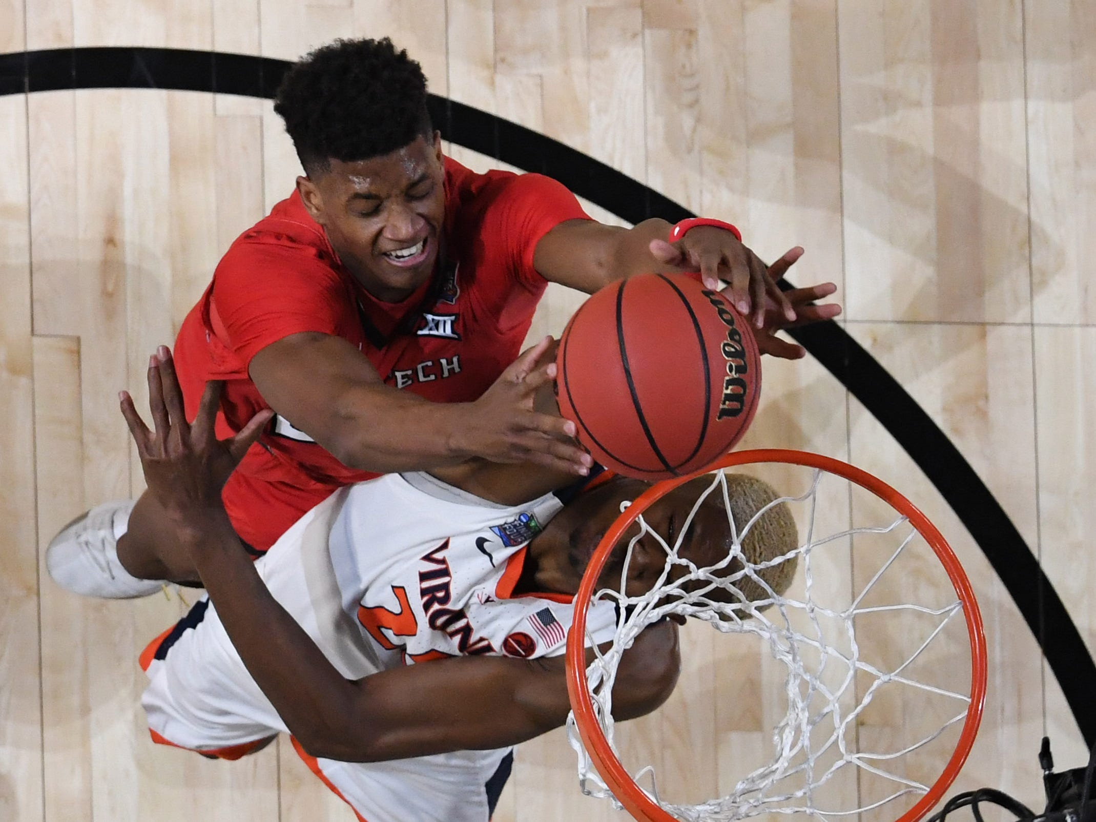 Texas Tech's Jarrett Culver misses a shot against Virginia in the first half in the championship game.