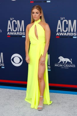 epa07491330 Canadian singer Lindsay Ell arrive for the 54th Annual Academy of Country Music Awards at the MGM Grand Garden Arena in Las Vegas, Nevada, USA on April 7, 2019.  EPA-EFE/NINA PROMMER ORG XMIT: NPX01