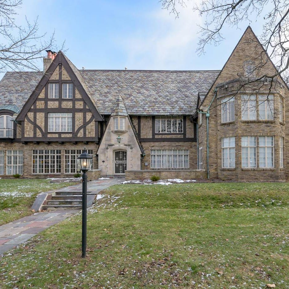 Corlett mansion was designed by a prominent Battle Creek architect. It's also for sale.