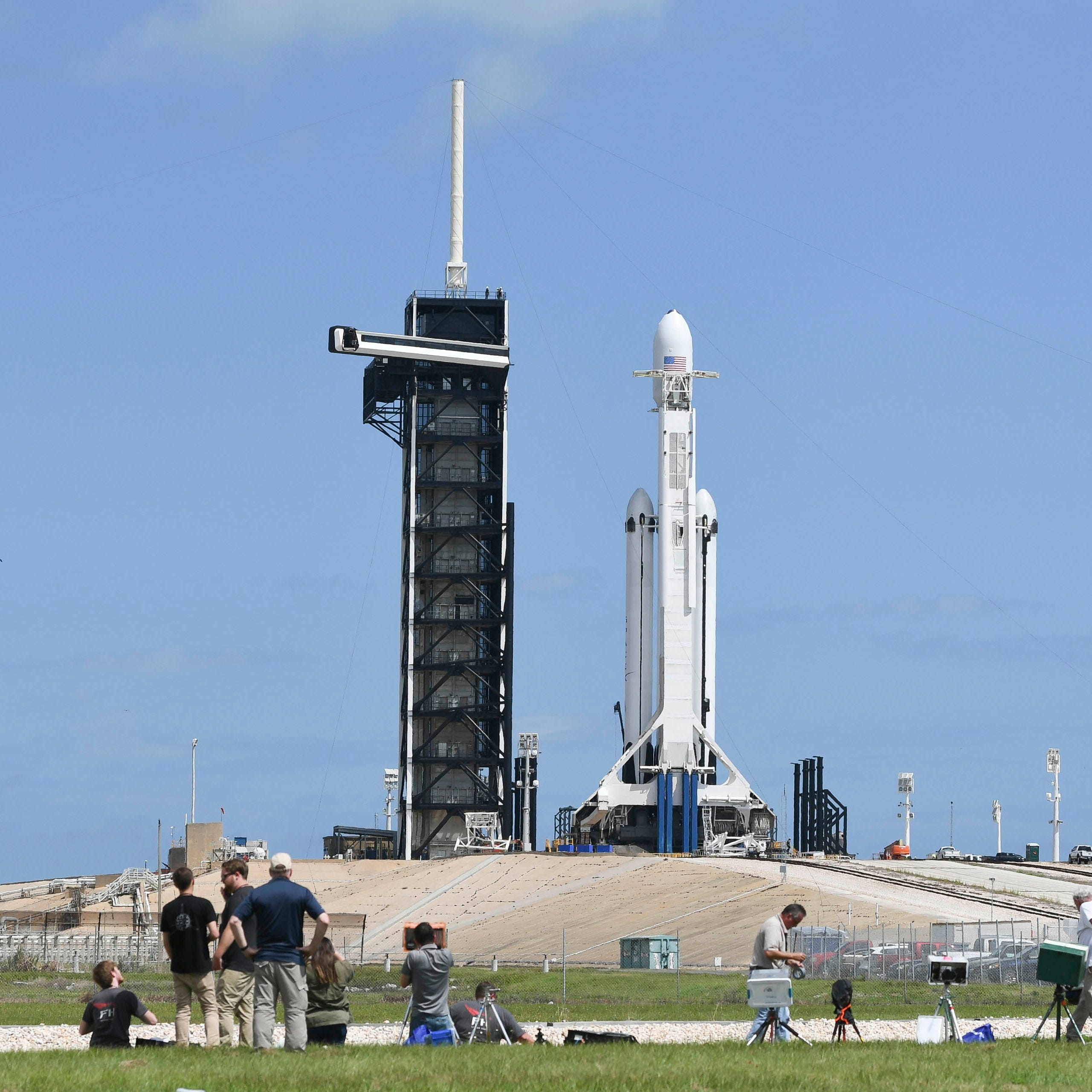 SpaceX shoots for Thursday evening Falcon Heavy launch from KSC
