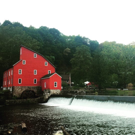 The iconic Red Mill.