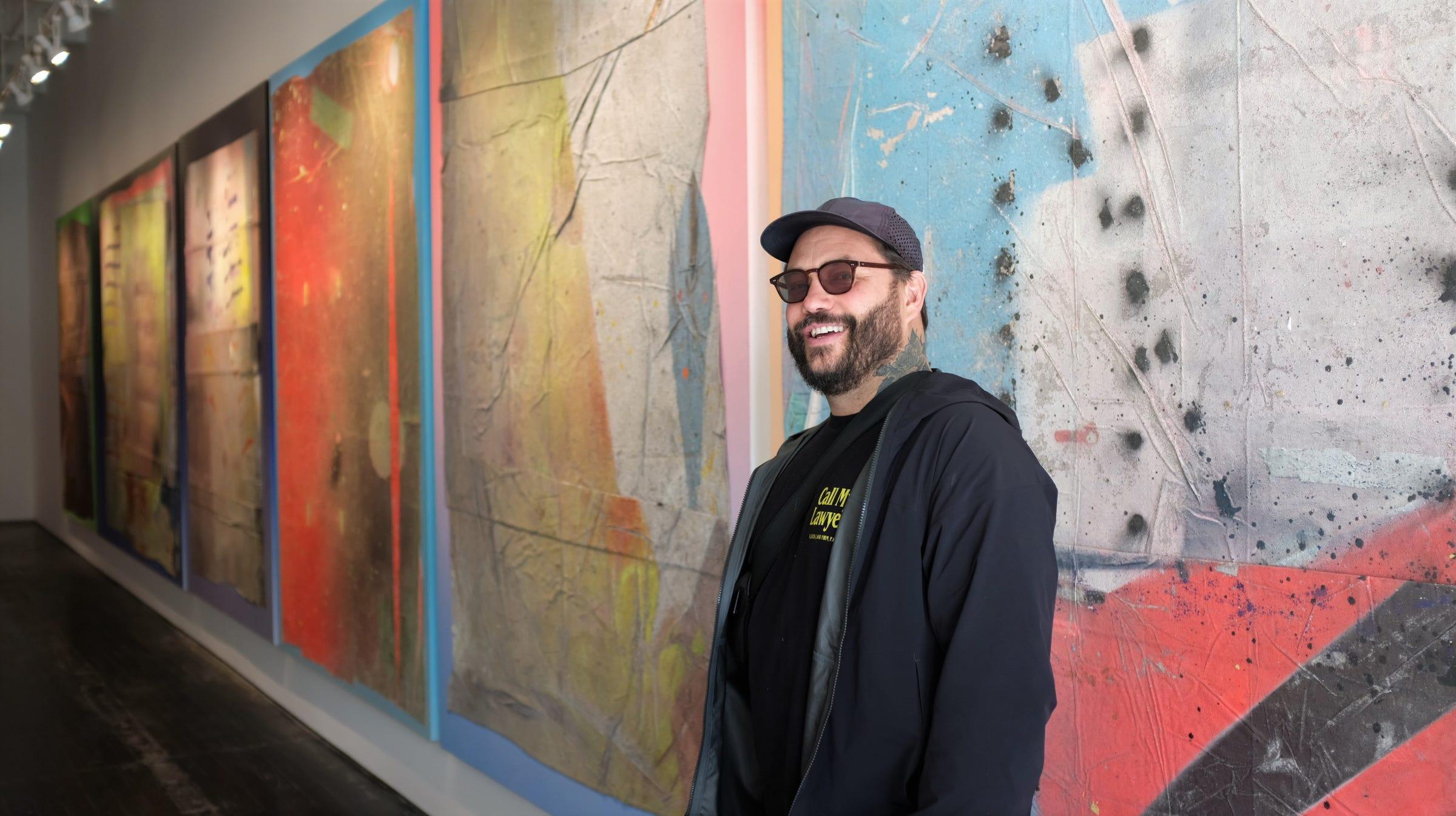 EFFIE: Detroit strip fest