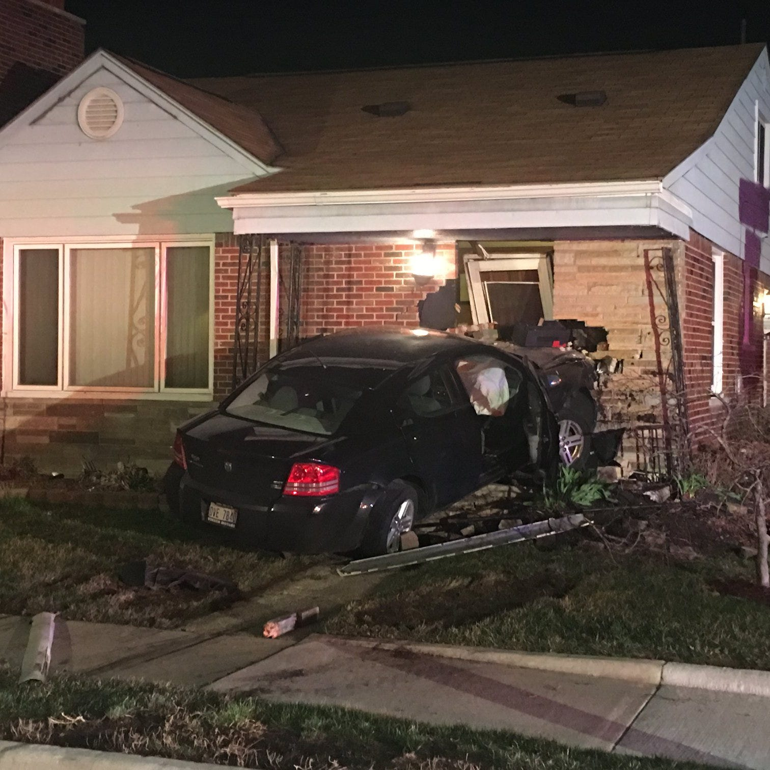 Eastpointe police: Jealousy-fueled chase ends with crash into home
