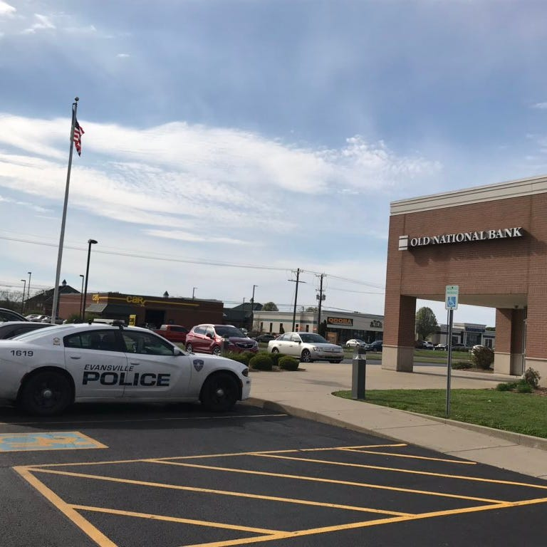 EPD: Bank robbery suspect used taxi to get away