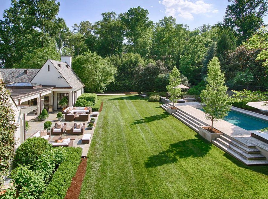 Sequoyah Hills home for sale at 849 Bluff Drive in Sequoyah Hills in Knoxville.