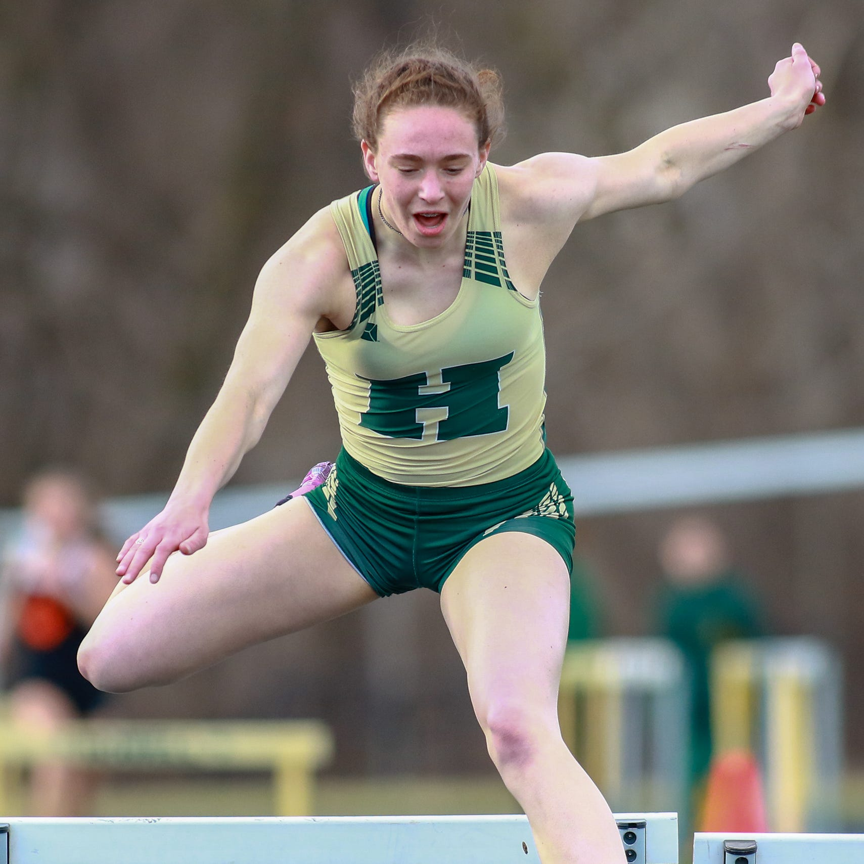 Brighton-Howell track and field meet features impressive hurdles debut, sibling rivalry