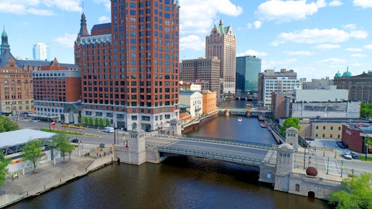 Get ready for the Milwaukee River to turn green on Friday with the kickoff of the Milwaukee Bucks' first preseason game.