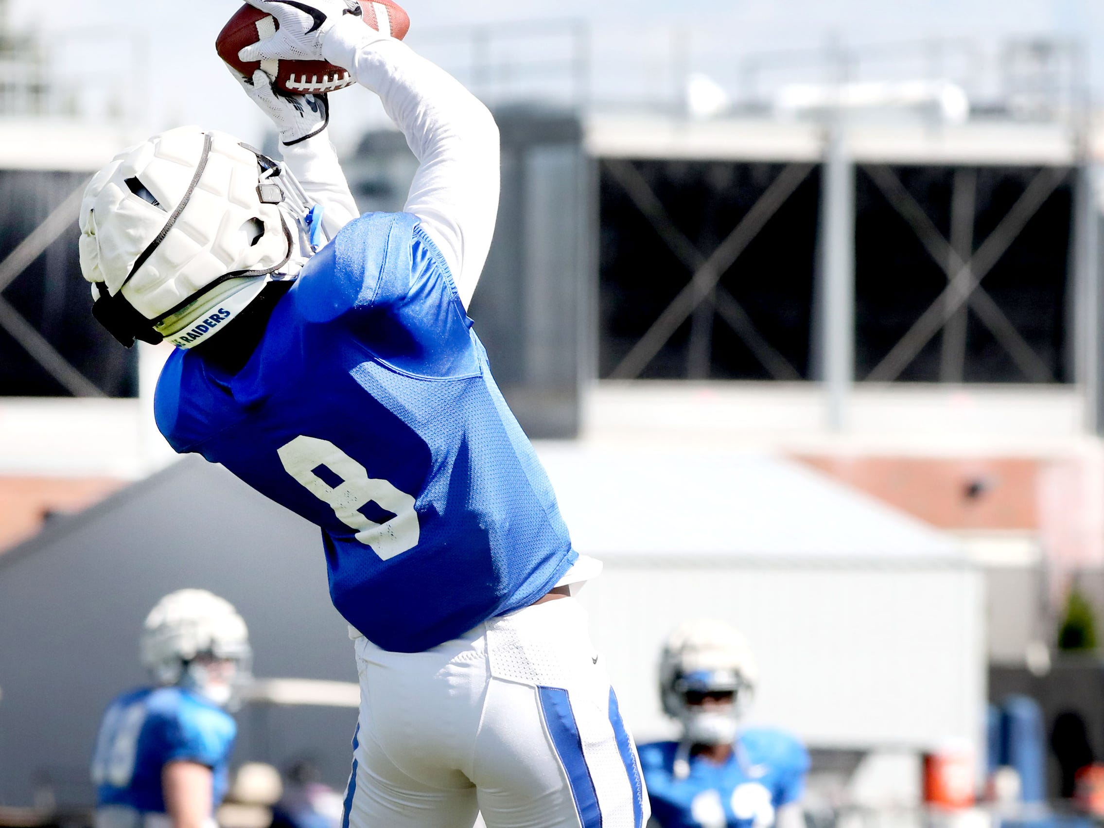 MTSU's wide receiver Ty Lee (8) catches the ball during MTSU's football practice, in Murfreesboro on Tuesday April 9, 2019.