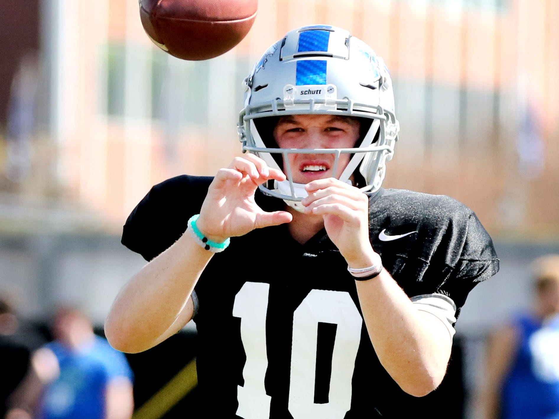 MTSU's quarterback Asher O'Hara (10) waits for the snap to catch the ball and pass during MTSU's football practice, in Murfreesboro on Tuesday April 9, 2019.