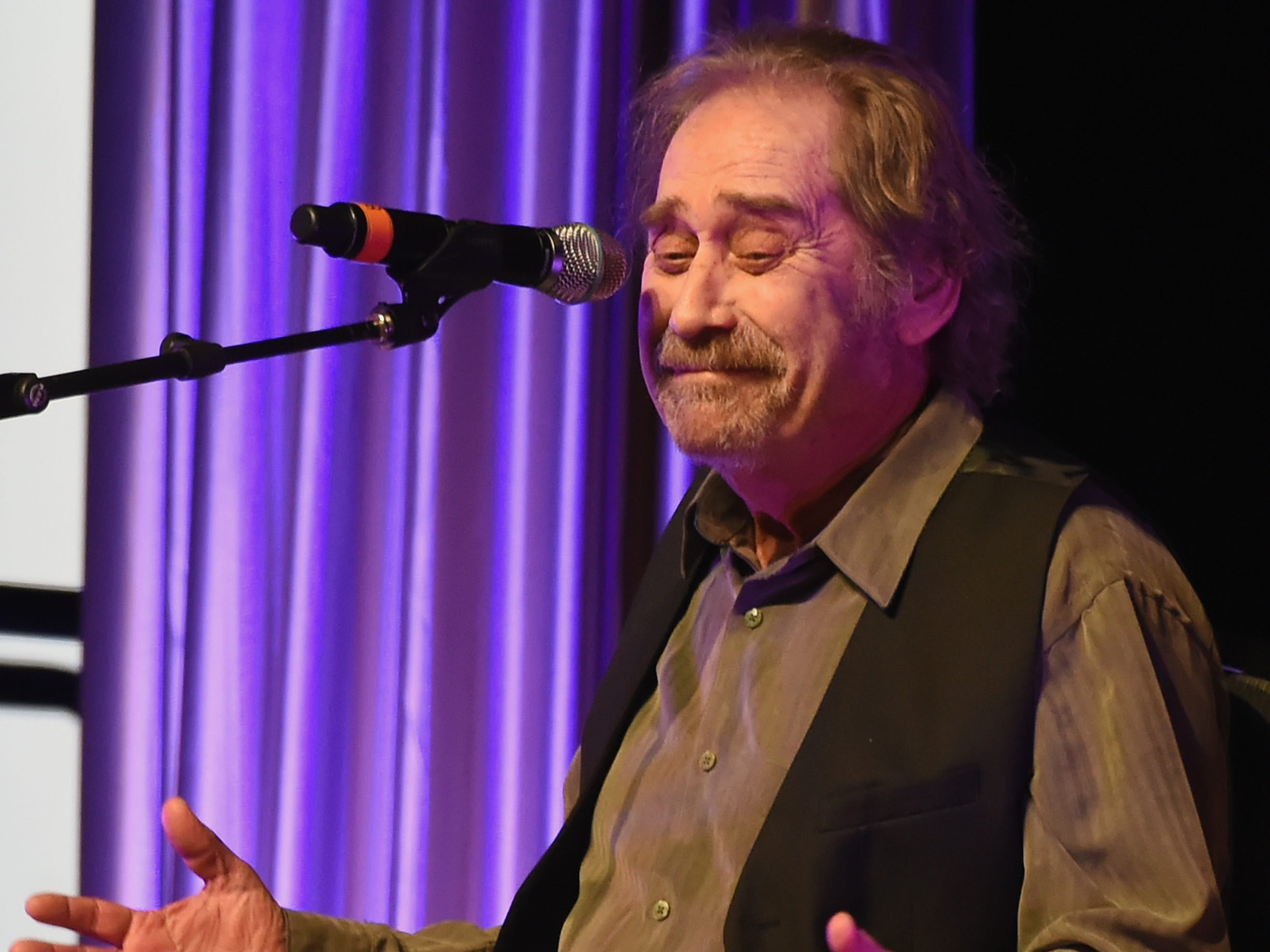 """Earl Thomas Conley performs """"Holding Her and Loving You"""" during the annual Nashville Songwriters Hall of Fame Awards show at Music City Center on Oct. 23, 2017."""