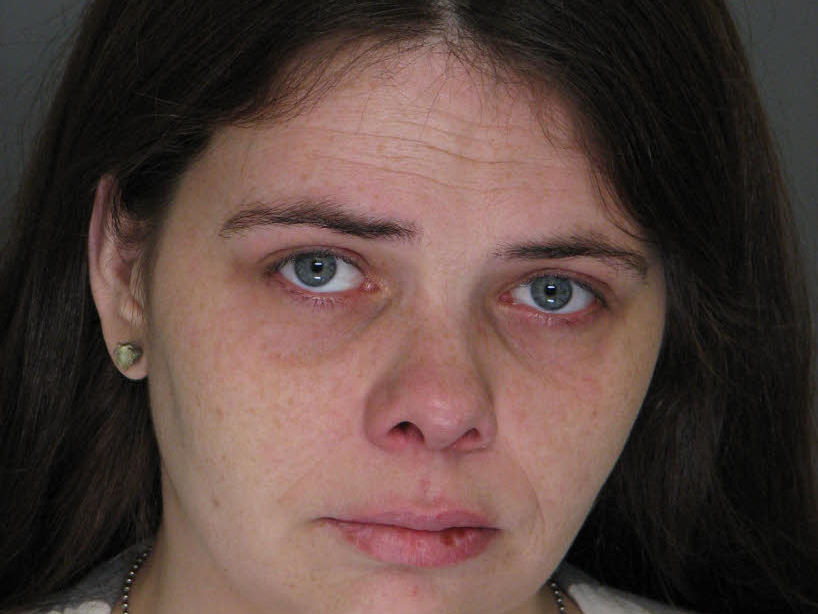 Mary Norris, born on 11/4/1981, 5-foot-8, wanted for escape (probation violation)
