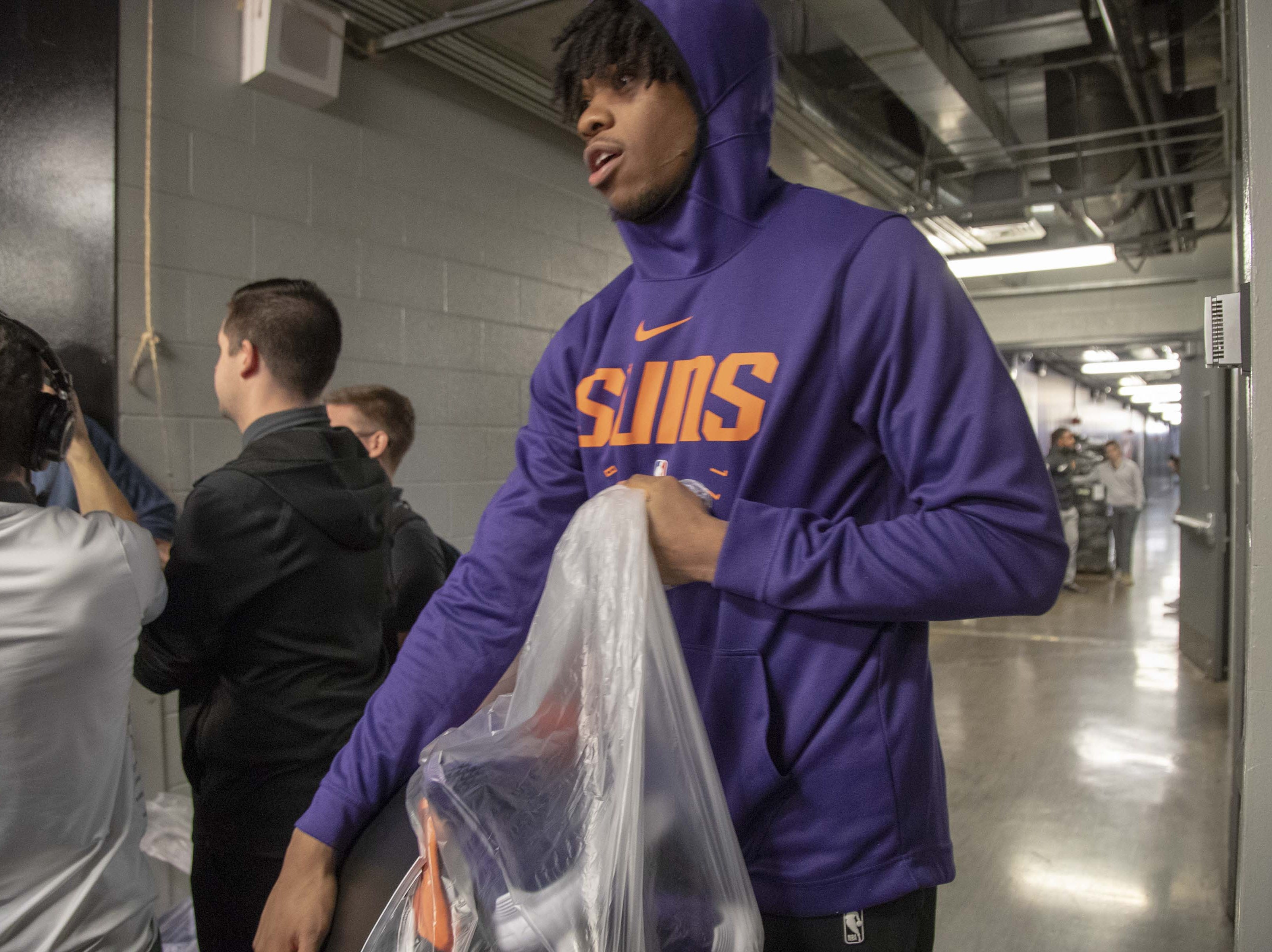 Richaun Holmes averaged 8.2 points per game with 4.7 rebounds with the Suns during the 2018-19 season.