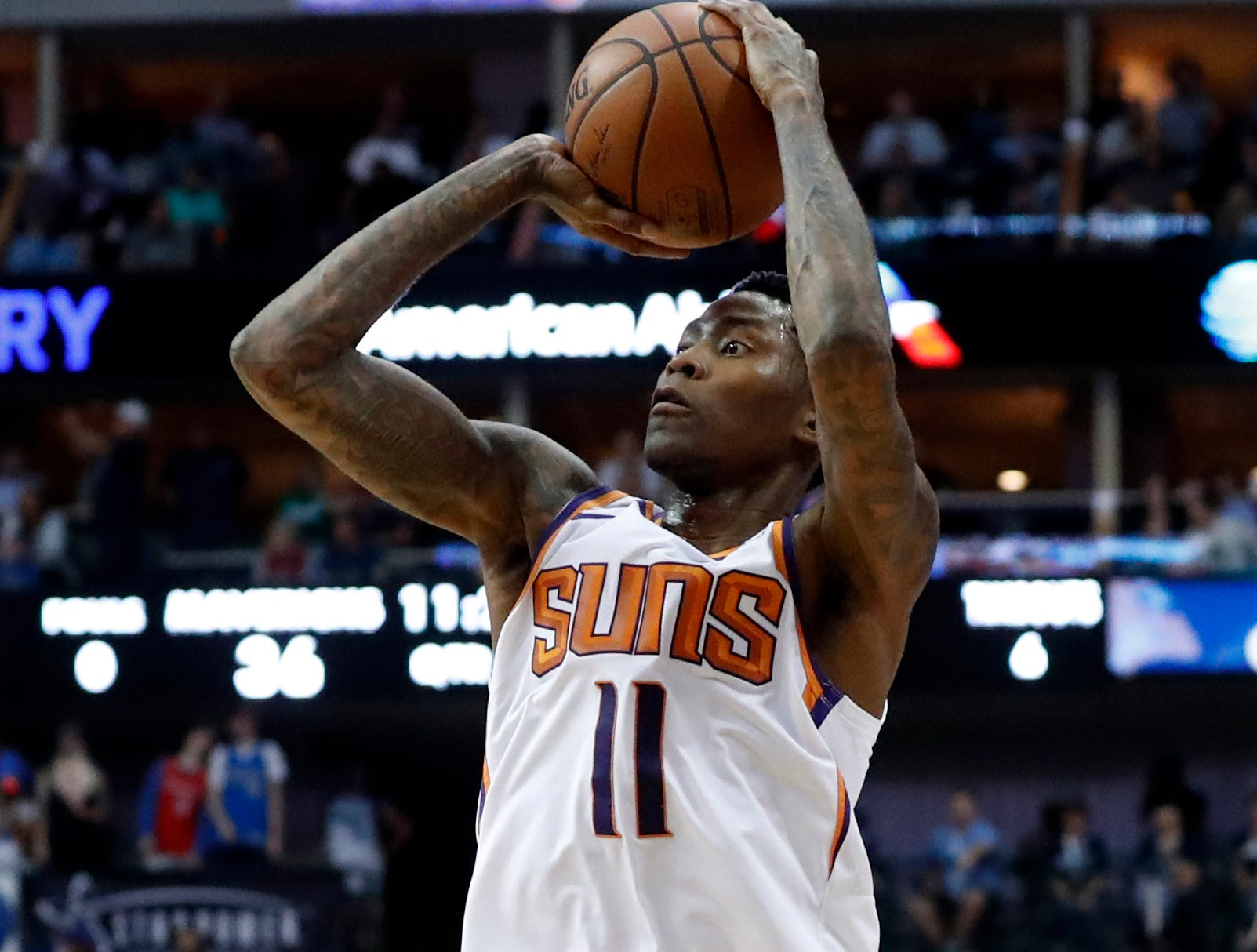 Phoenix Suns guard Jamal Crawford shoots during the first half of the team's NBA basketball game against the Dallas Mavericks in Dallas, Tuesday, April 9, 2019. (AP Photo/Tony Gutierrez)