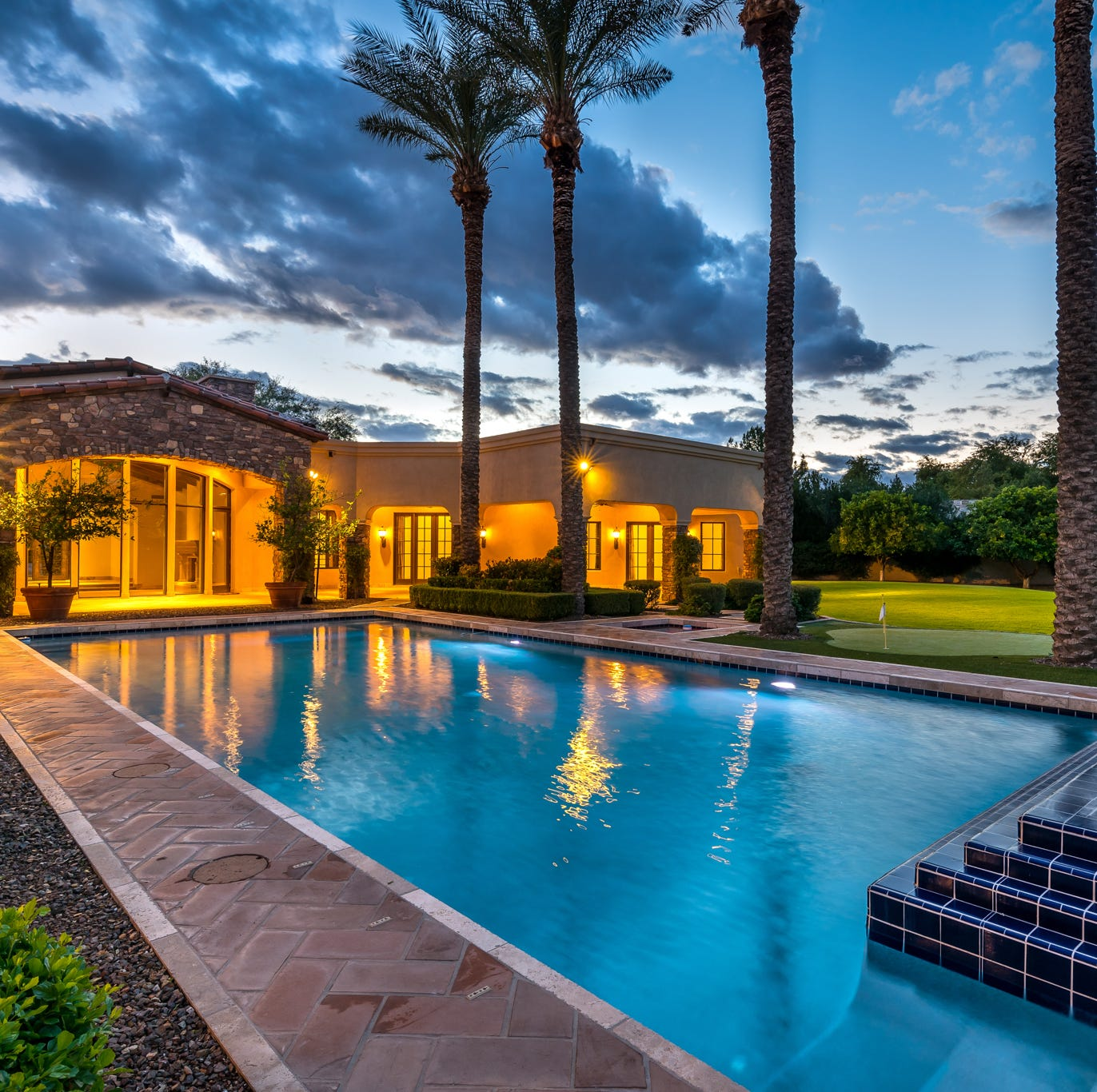 Paradise Valley mansion with sauna, lighted sport court sells for $3.6M