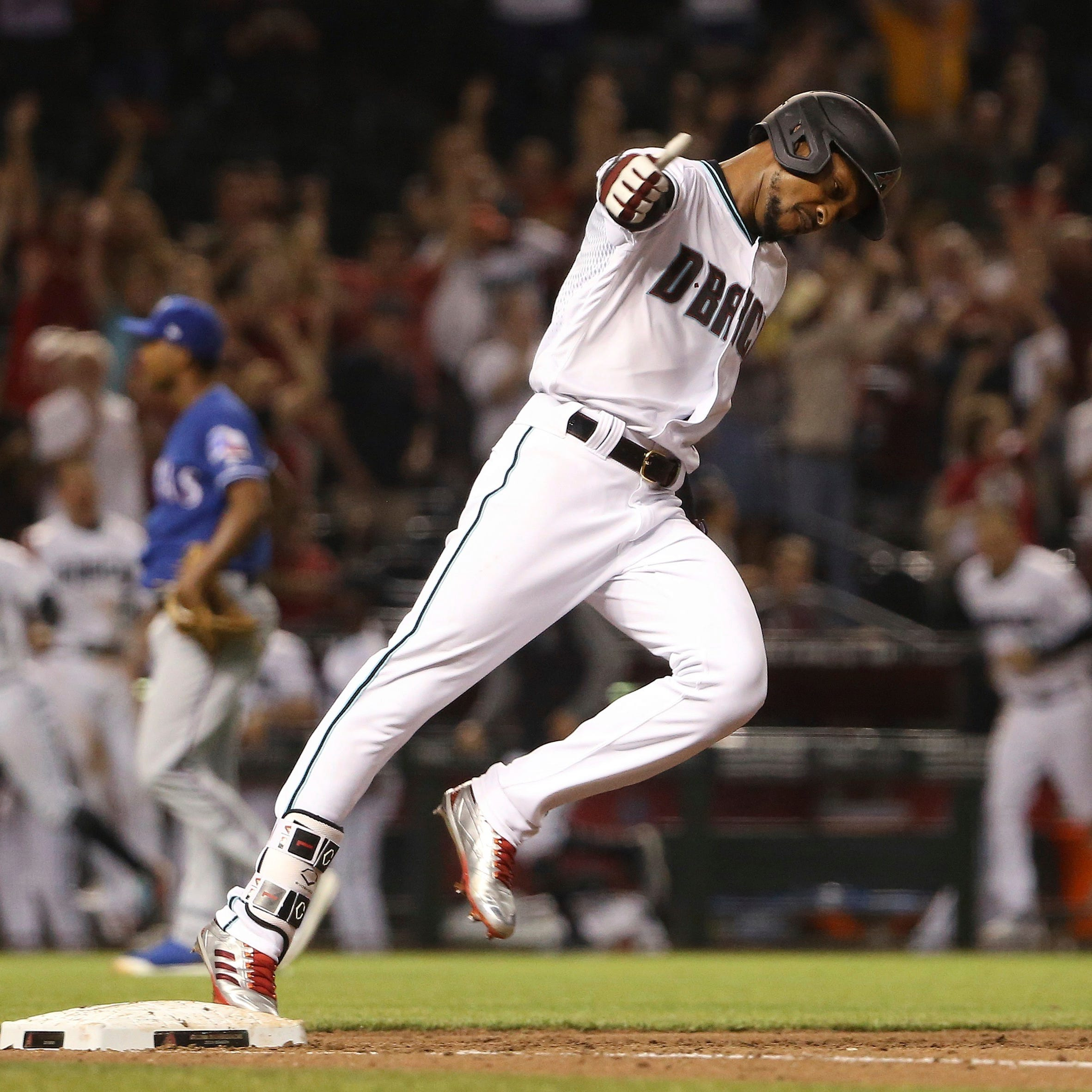 Jarrod Dyson lifts Diamondbacks over Rangers with walk-off home run