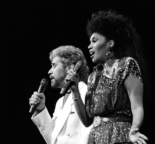 .Earl Thomas Conley and Anita Pointer perform during the CMA Awards on Oct. 31, 1986, in Nashville.