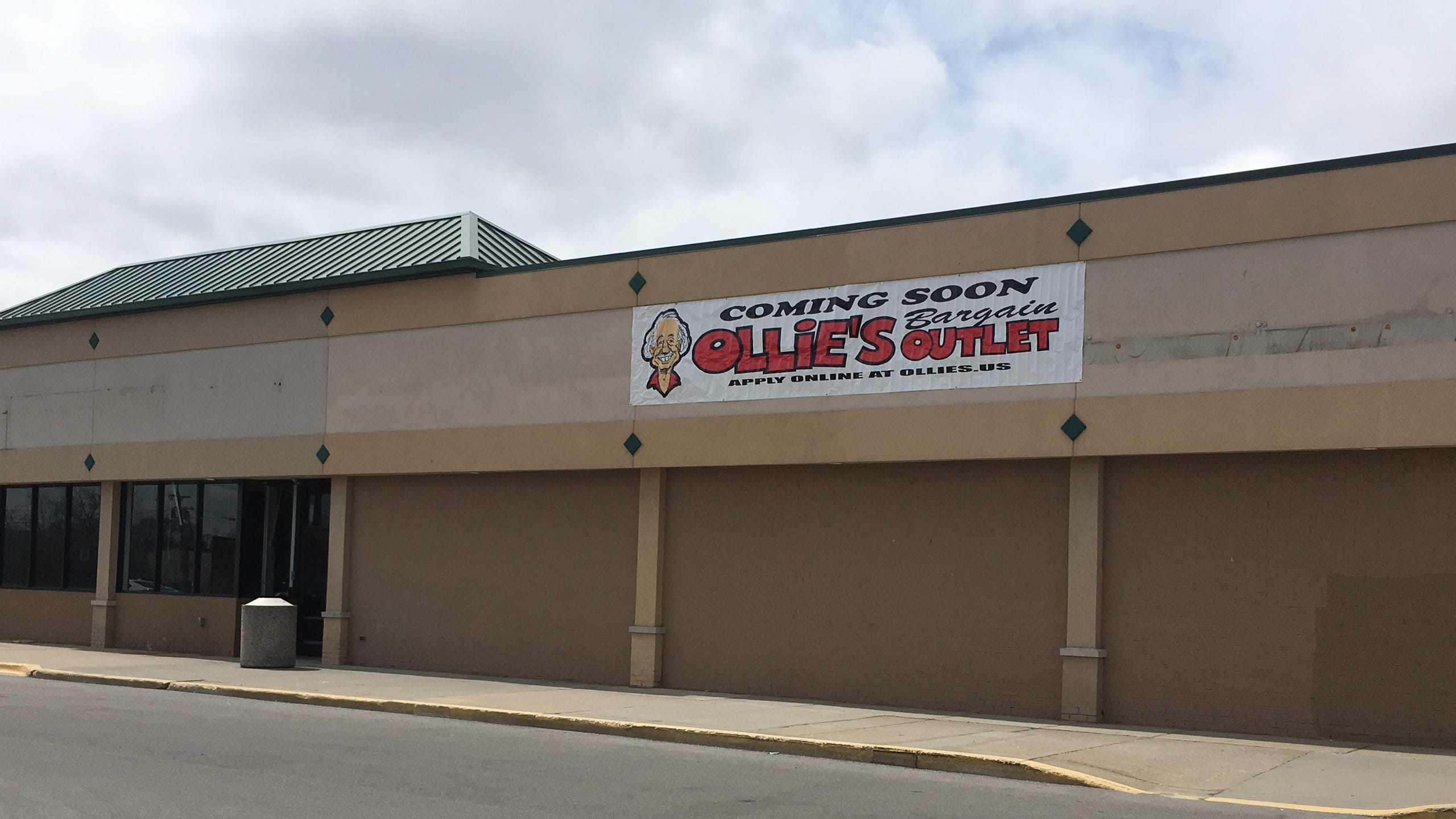 A sign for Ollie's Bargain Outlet has appeared outside the old location of Great Lakes Ace