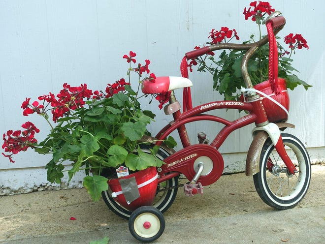 Tallahassee Garden Club will have its spring sale on Saturday.