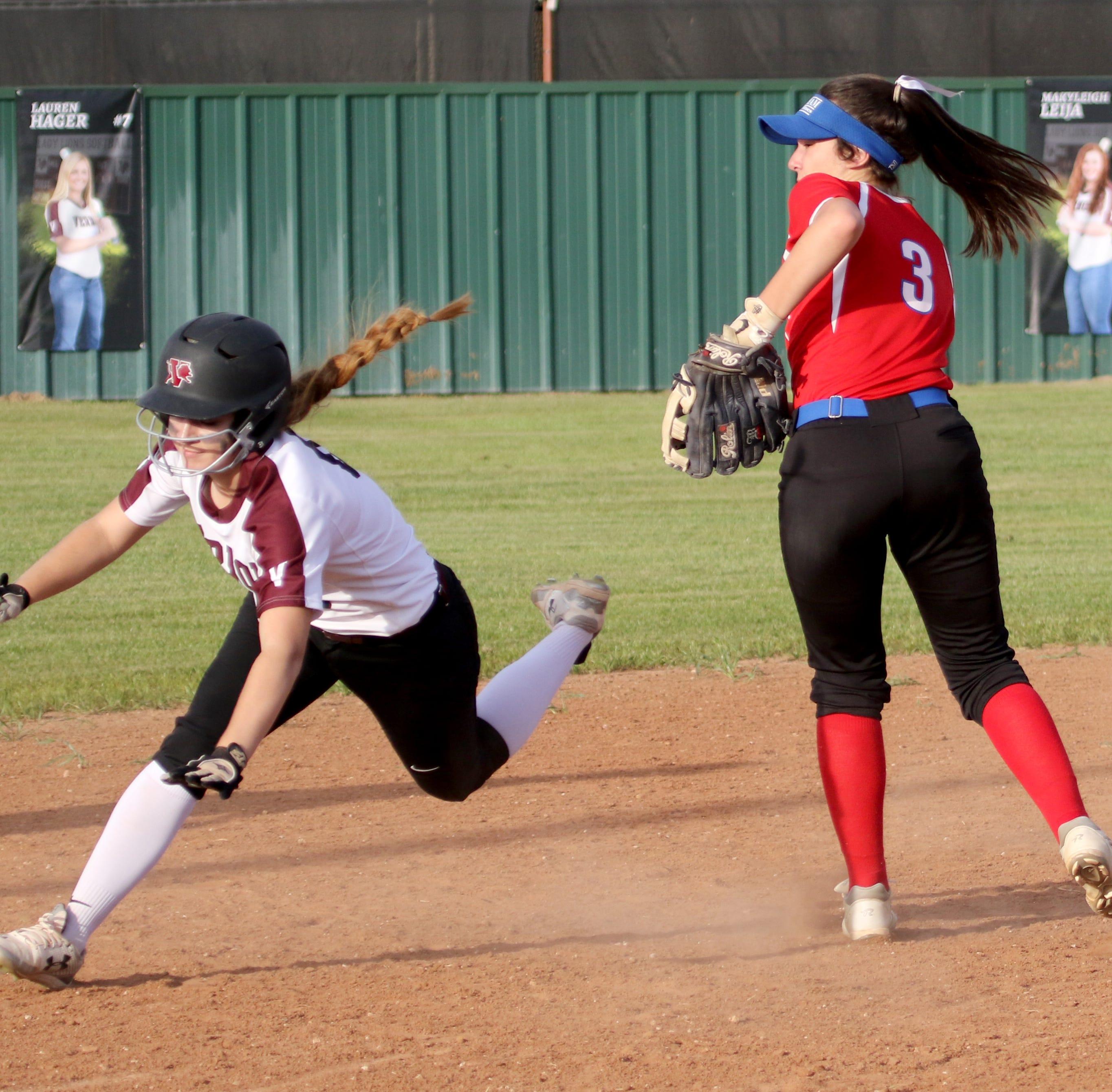 Softball roundup: Graham takes season sweep of Vernon; City View holds off Holliday