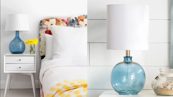This glass lamp is loaded with coastal flare.