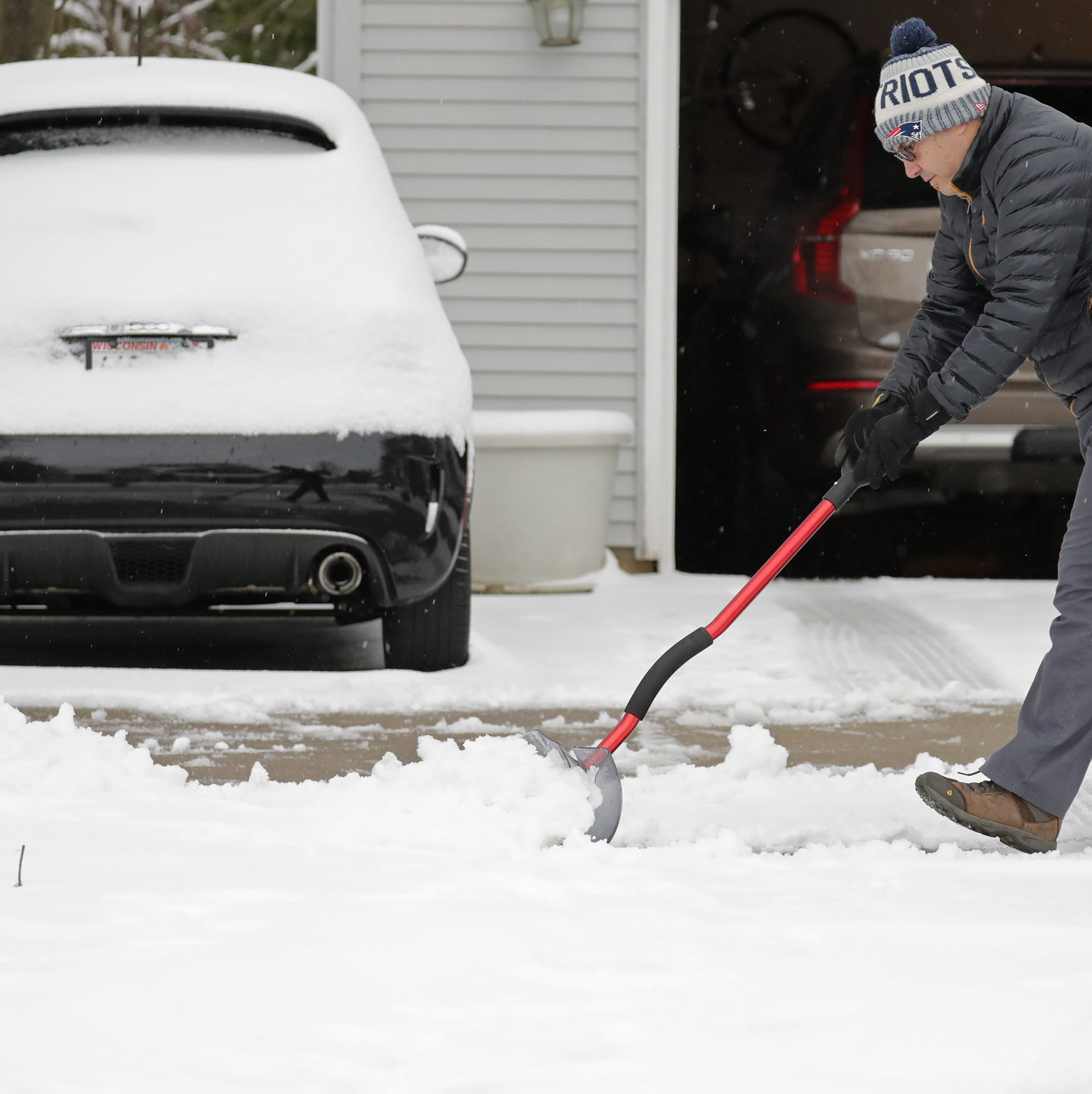 To cope with another spring snowstorm, Wisconsin turns to jokes and memes