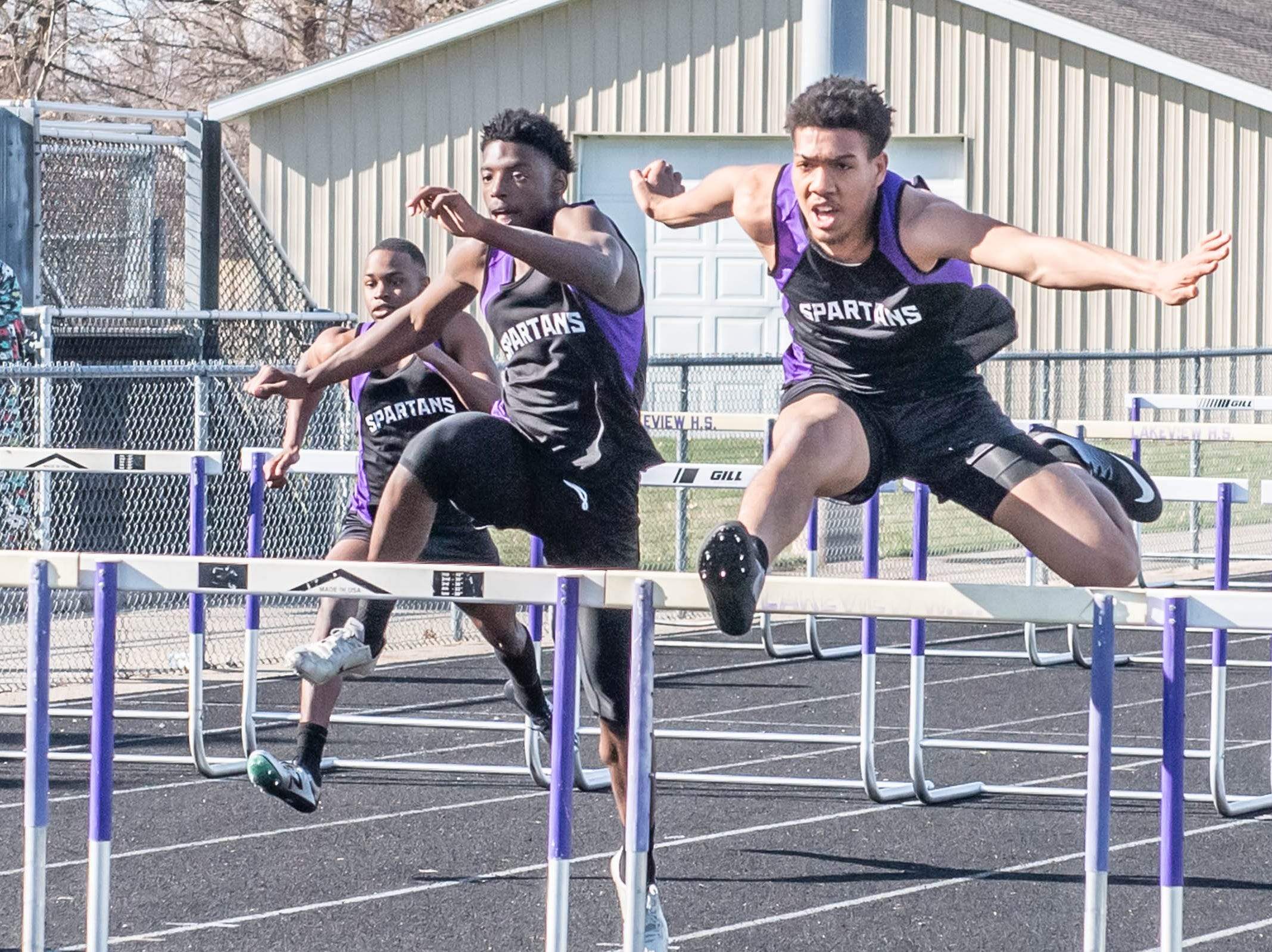 Lakeview runners compete at Lakeview High School during a dual meet held on 4/9/19.