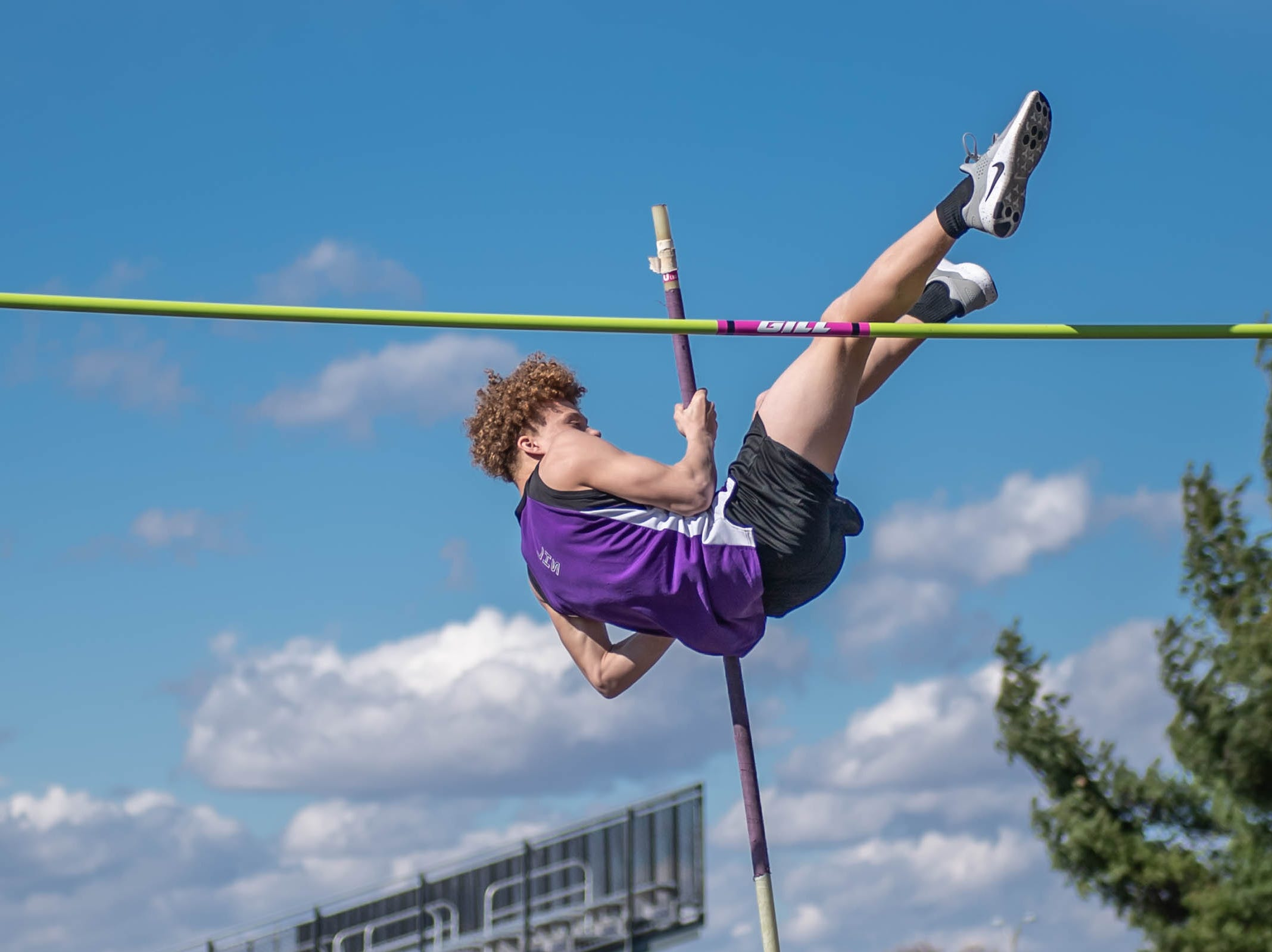 Lakeview's Bomani Guy competes in the pole vault at Lakeview High School during a dual meet held on 4/9/19.