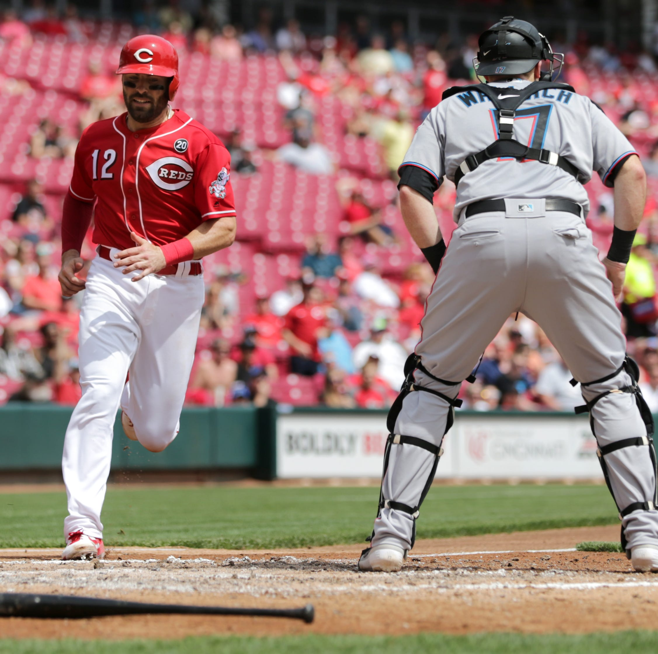 Cincinnati Reds' Curt Casali hitting well, but Tucker Barnhart remains starting catcher