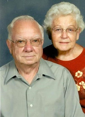 Dean and Lavada Leiendecker celebrating 65th wedding anniversary
