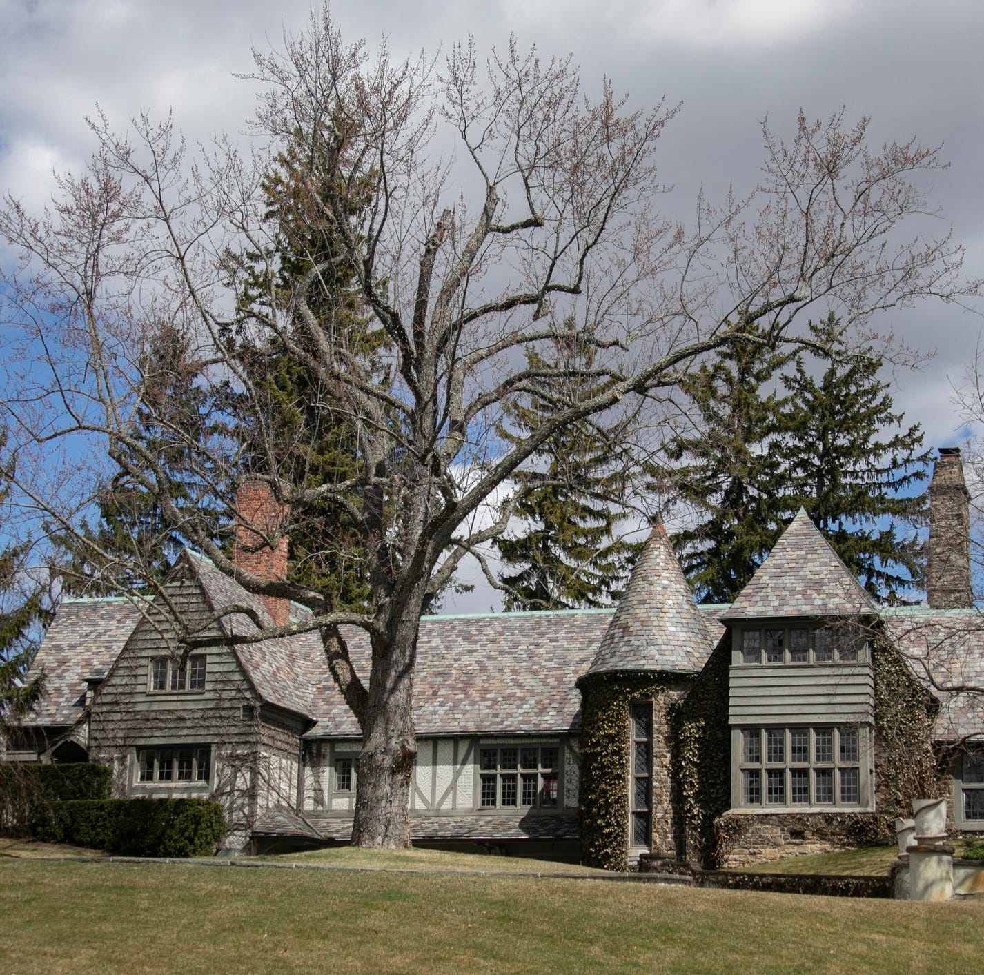 $3.9M cottage-style home in Bloomfield Hills is rarity on the market
