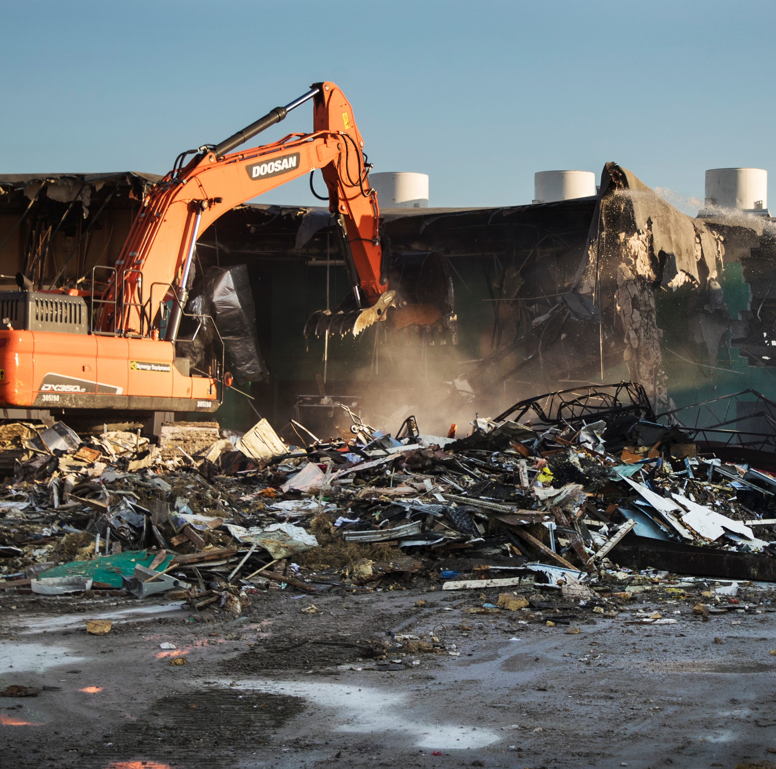 Former Topps grocery store on Fort Myers Beach has been torn down